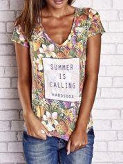 Butik Wzorzysty t-shirt floral z napisem SUMMER IS CALLING