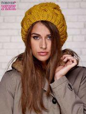 Żółta dziergana czapka z pomponem