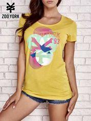 Żółty t-shirt z kolorowym nadrukiem