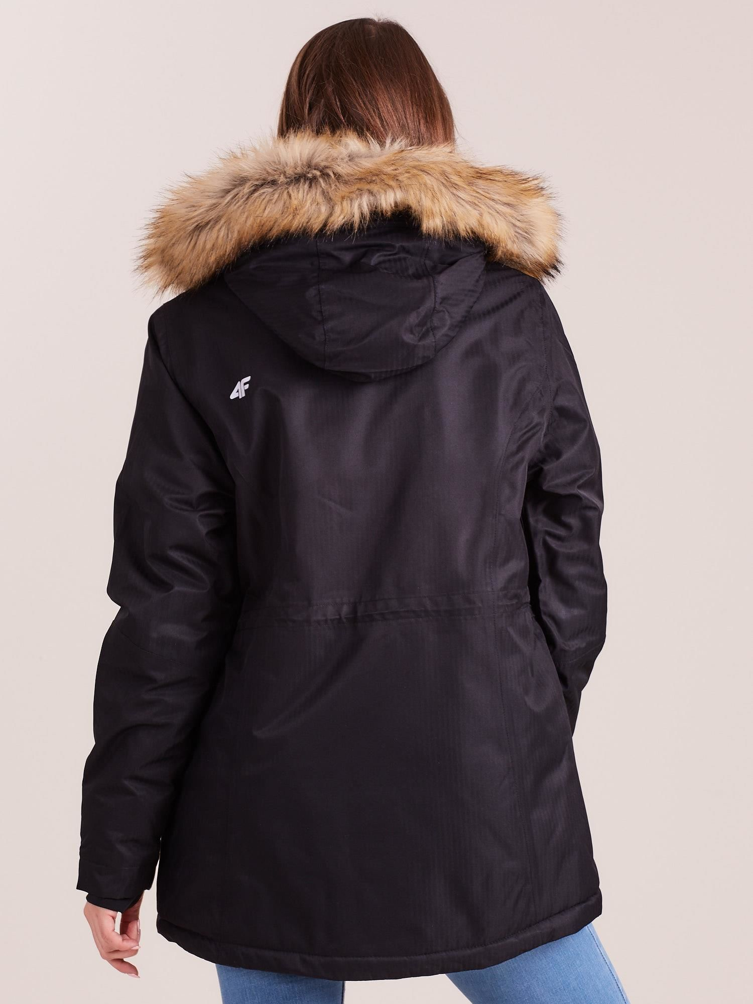 38b5c8e43 4F Czarna kurtka narciarska z kapturem i futerkiem - Kurtka zimowa ...