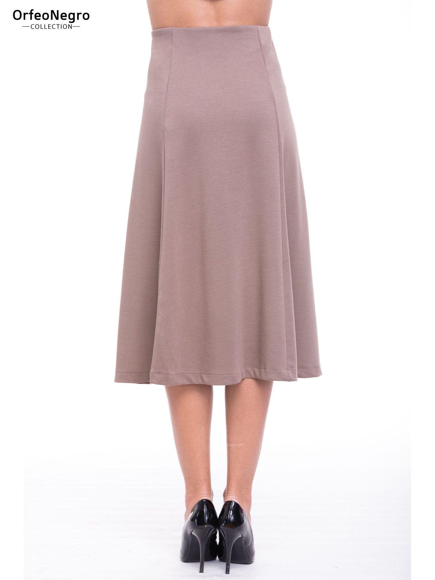 Beżowa elegancka spódnica midi o rozkloszowanym kroju                                  zdj.                                  4