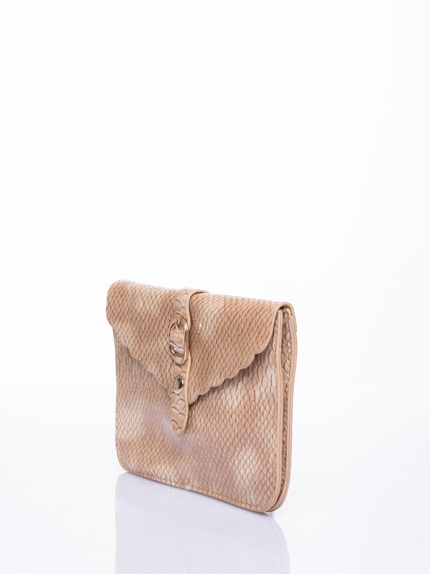 Beżowa kopertówka z motywem skóry krokodyla                                  zdj.                                  3