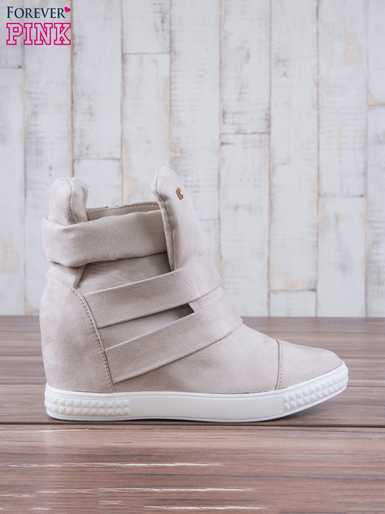 Beżowe zamszowe sneakersy bandage Quinn                                  zdj.                                  1