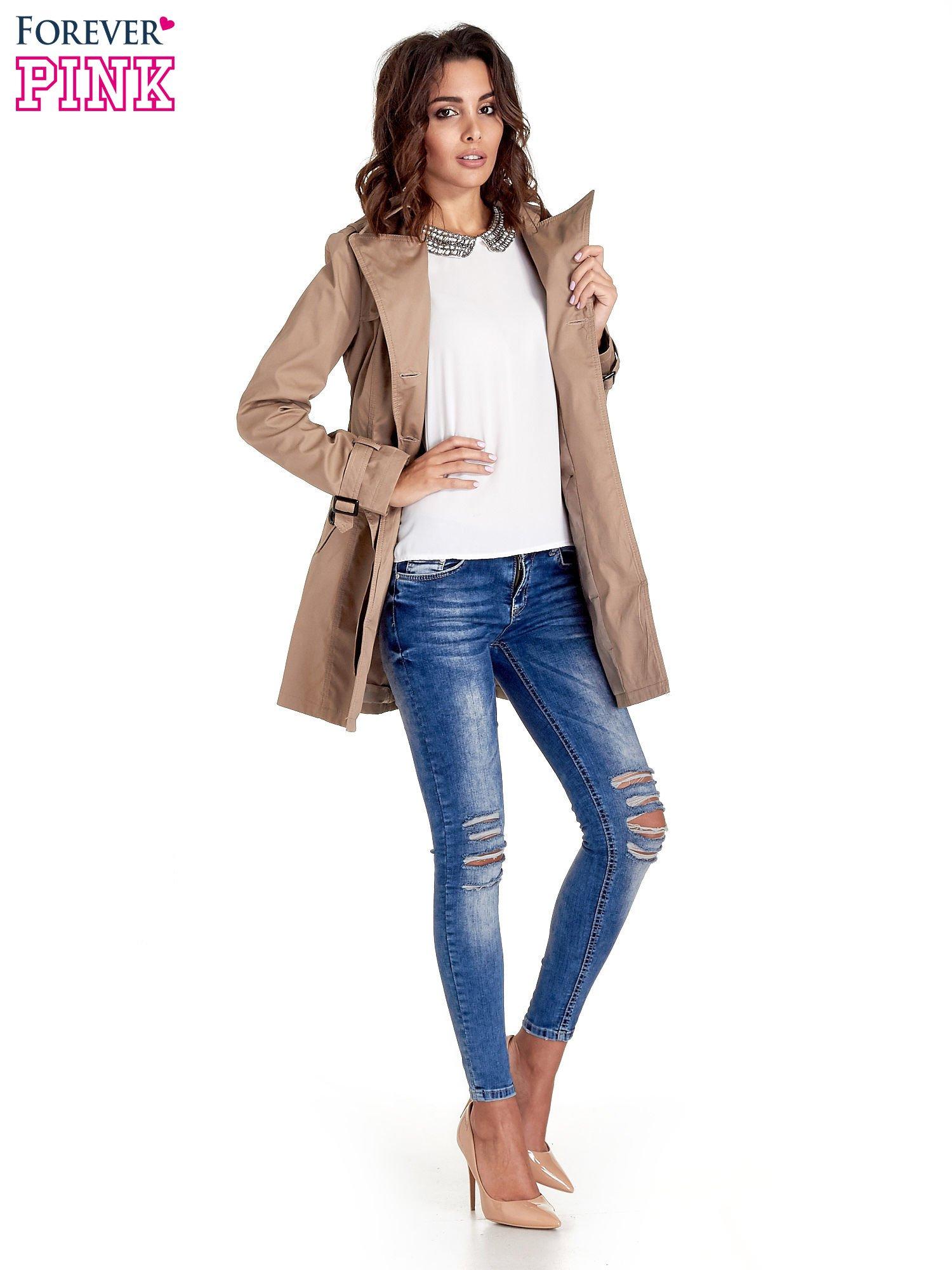 Beżowy klasyczny płaszcz typu trencz                                  zdj.                                  8