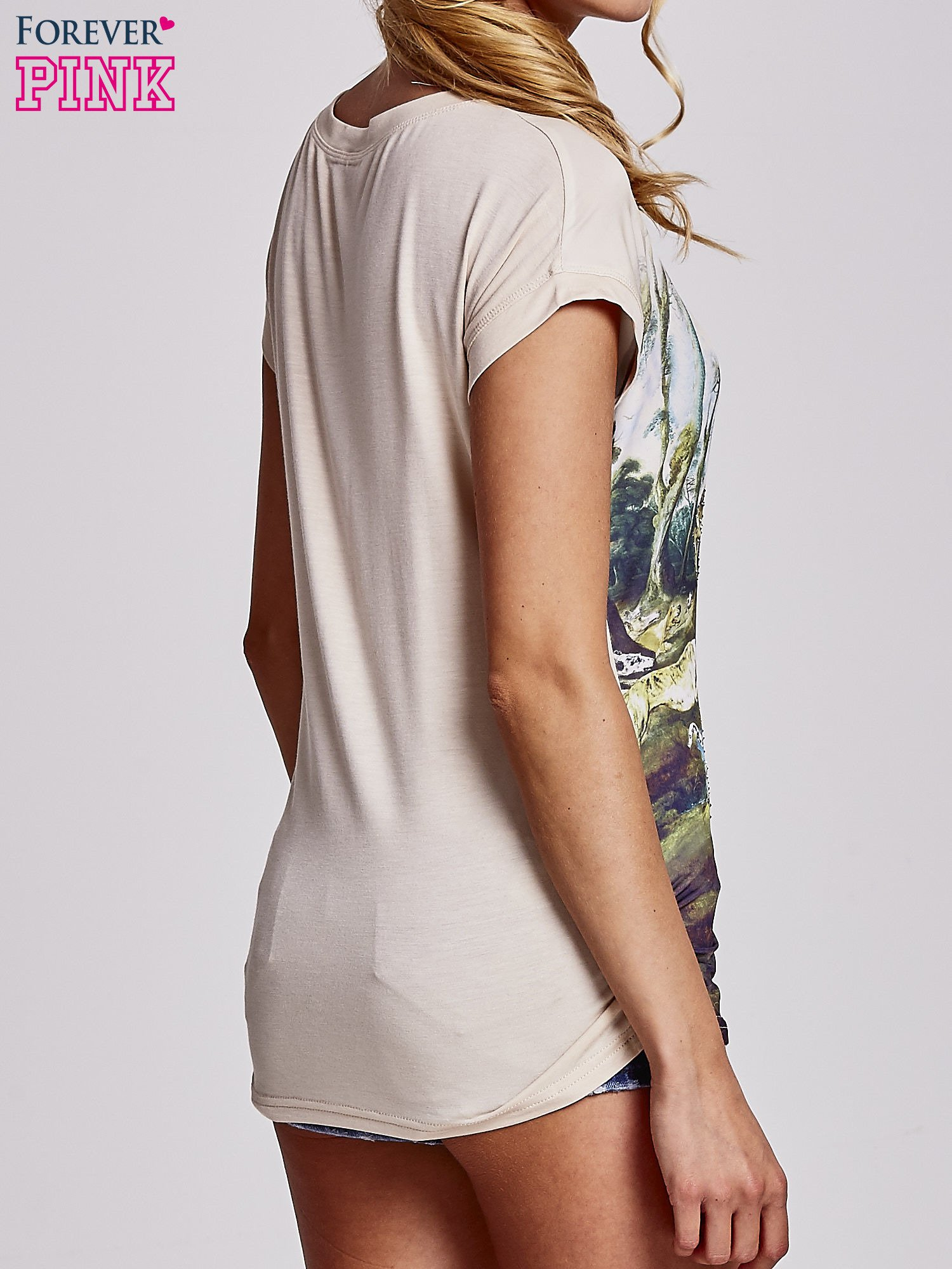 Beżowy t-shirt z nadrukiem krajobrazowym                                  zdj.                                  4