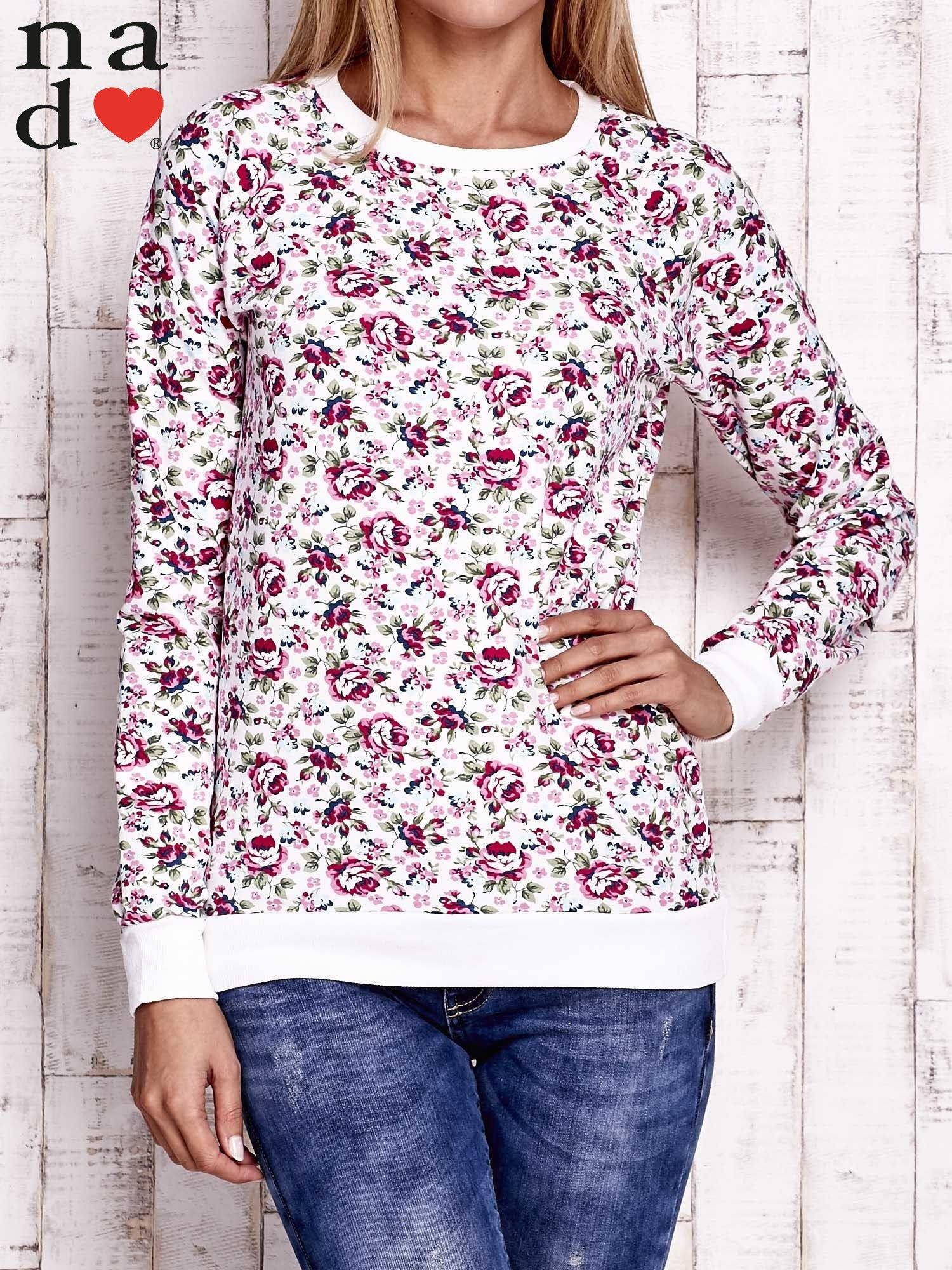 Biała bluza z kwiatowymi motywami                                  zdj.                                  1