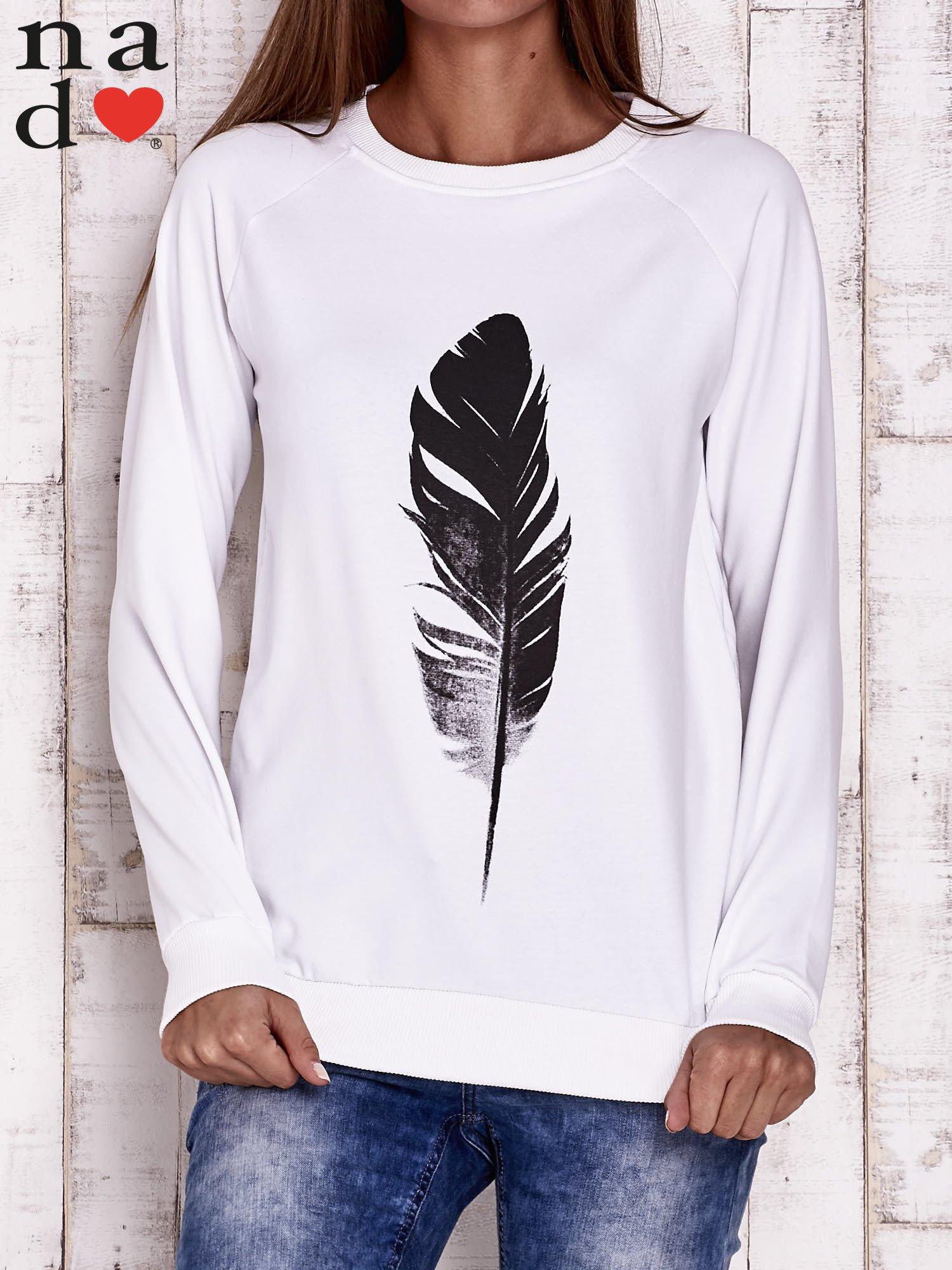 Biała bluza z piórkiem                                  zdj.                                  1