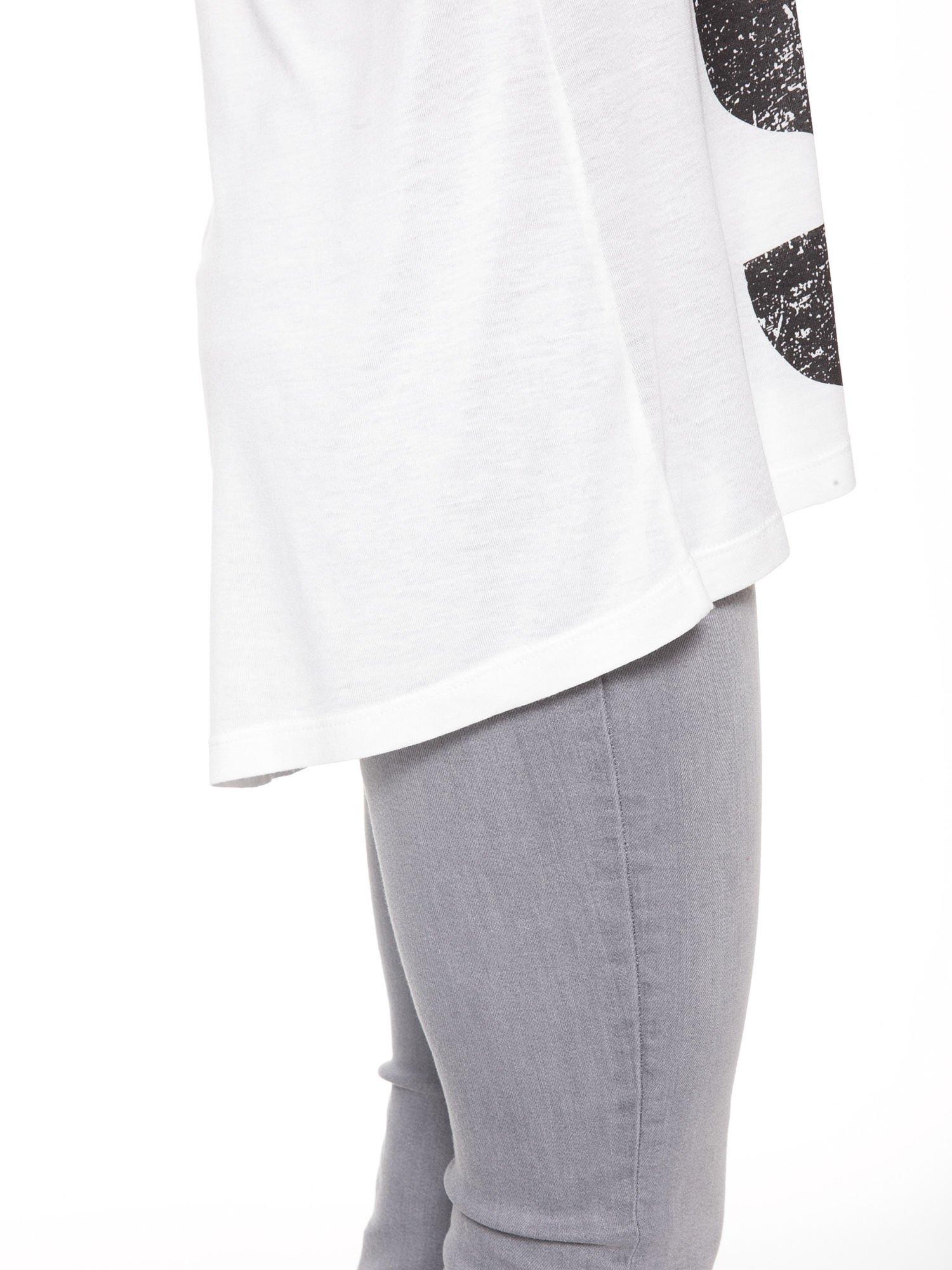 Biała bluzka z dużym napisem MUSE                                  zdj.                                  12