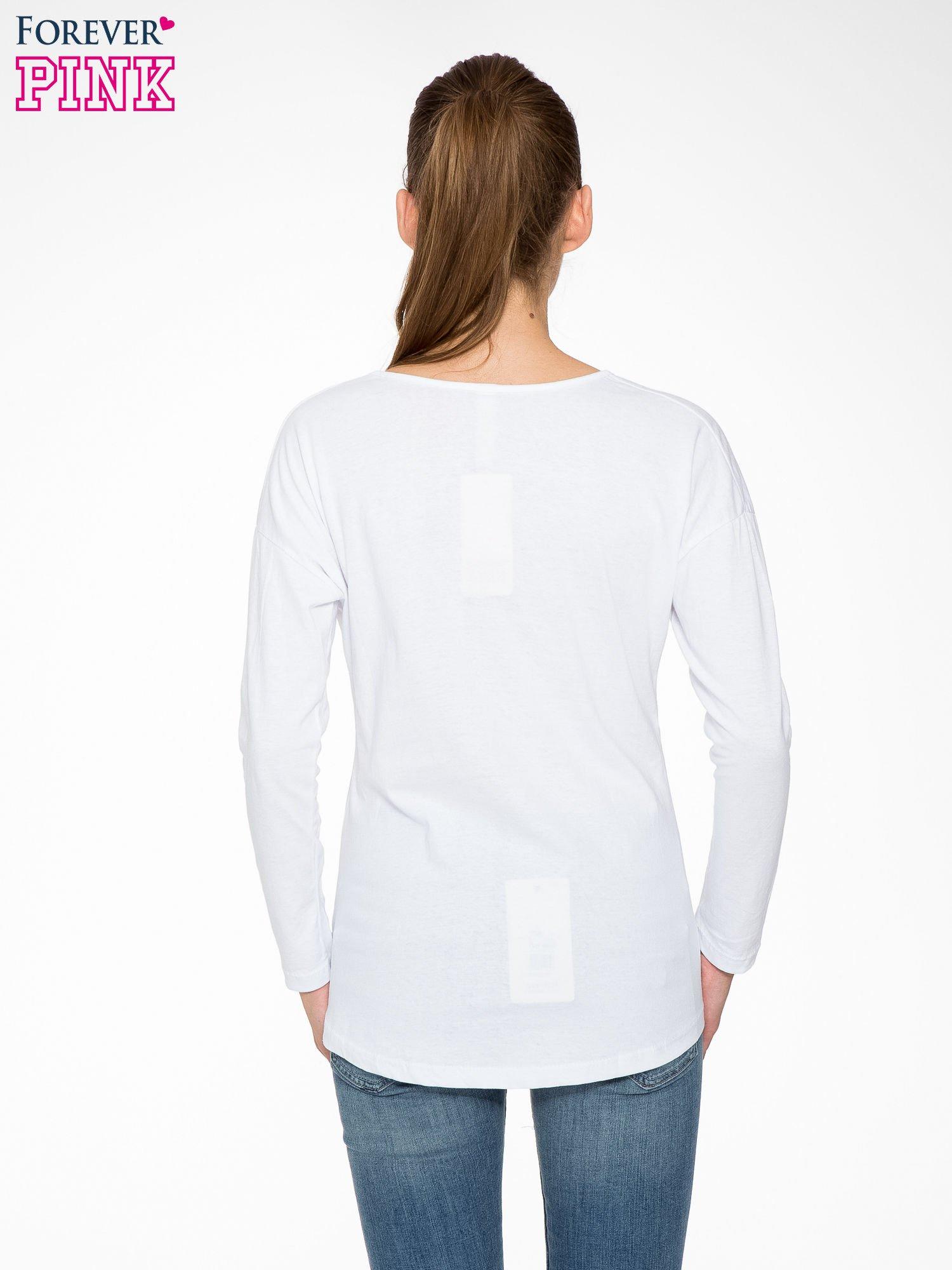 Biała bluzka z nadrukiem kota z koroną i napisem MEOW                                  zdj.                                  4