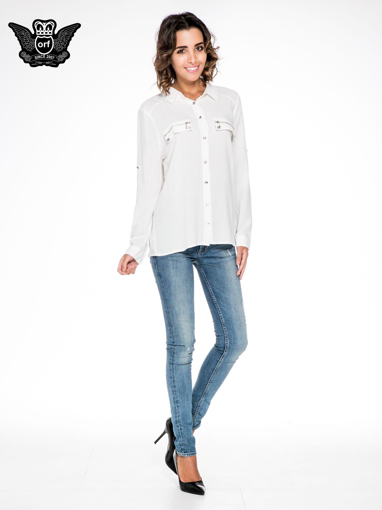 Biała elegancka koszula z suwakami i napami                                  zdj.                                  2