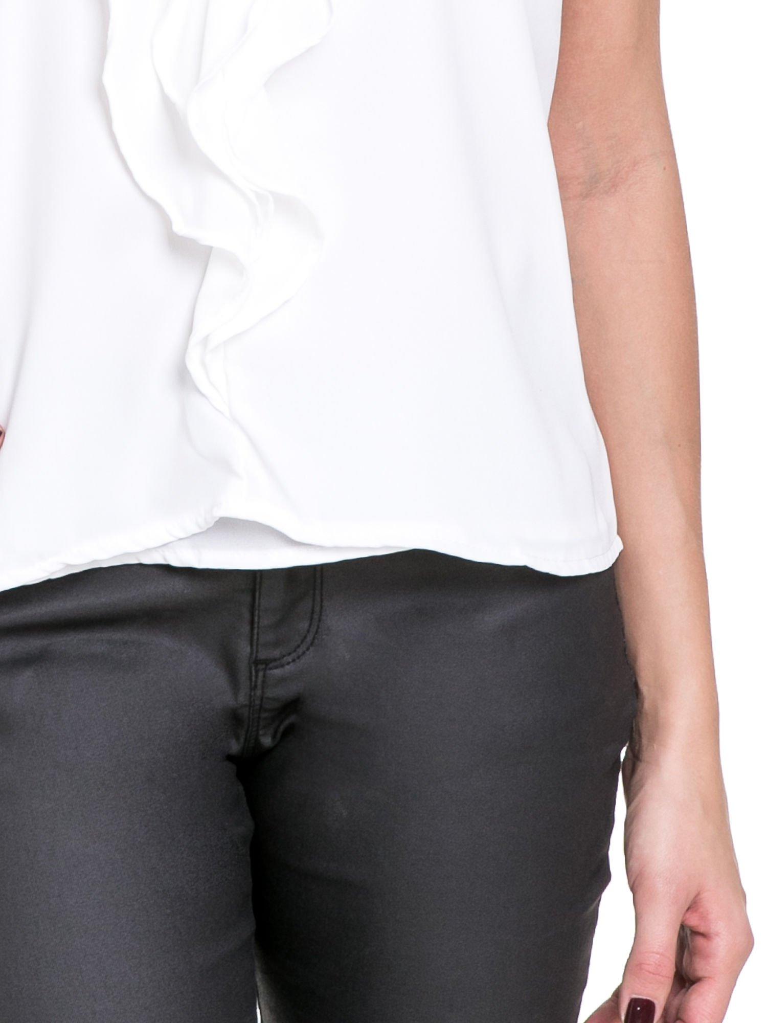 Biała elegancka koszula z żabotem                                  zdj.                                  6