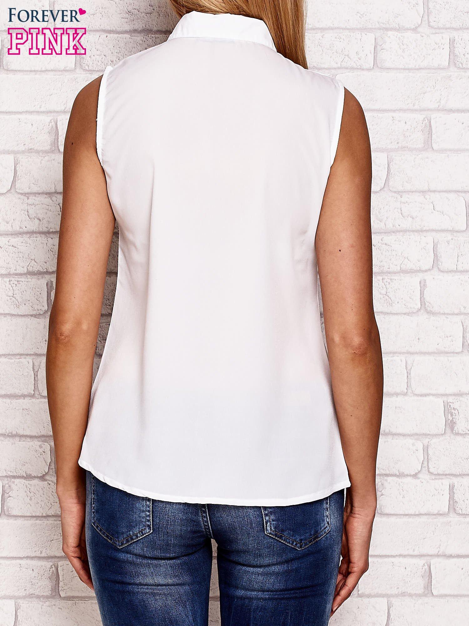 Biała koszula bez rękawów z kobiecym nadrukiem