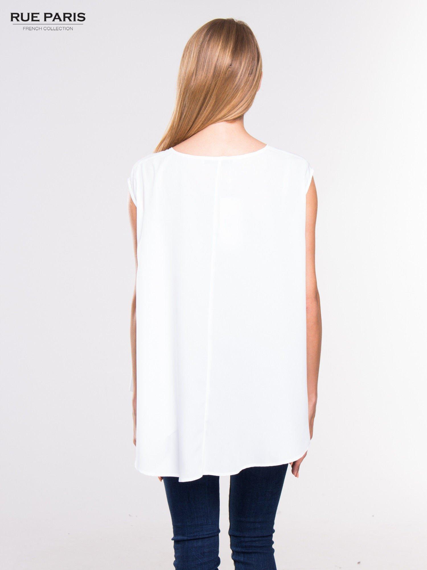Biała koszula dzwonek z wydłużanym tyłem                                  zdj.                                  4