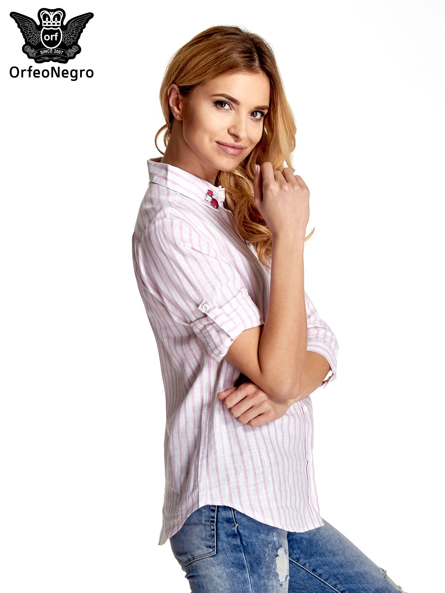 Biała koszula w jasnoróżowe prążki z aplikacją na kołnierzyku                                  zdj.                                  5