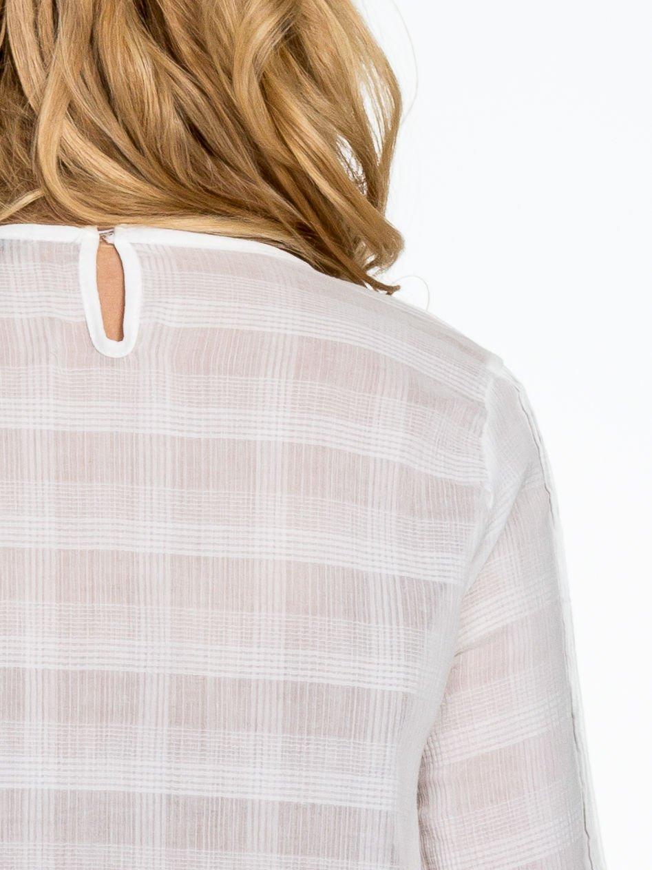 Biała koszula w kratę z ażurowaniem                                  zdj.                                  7