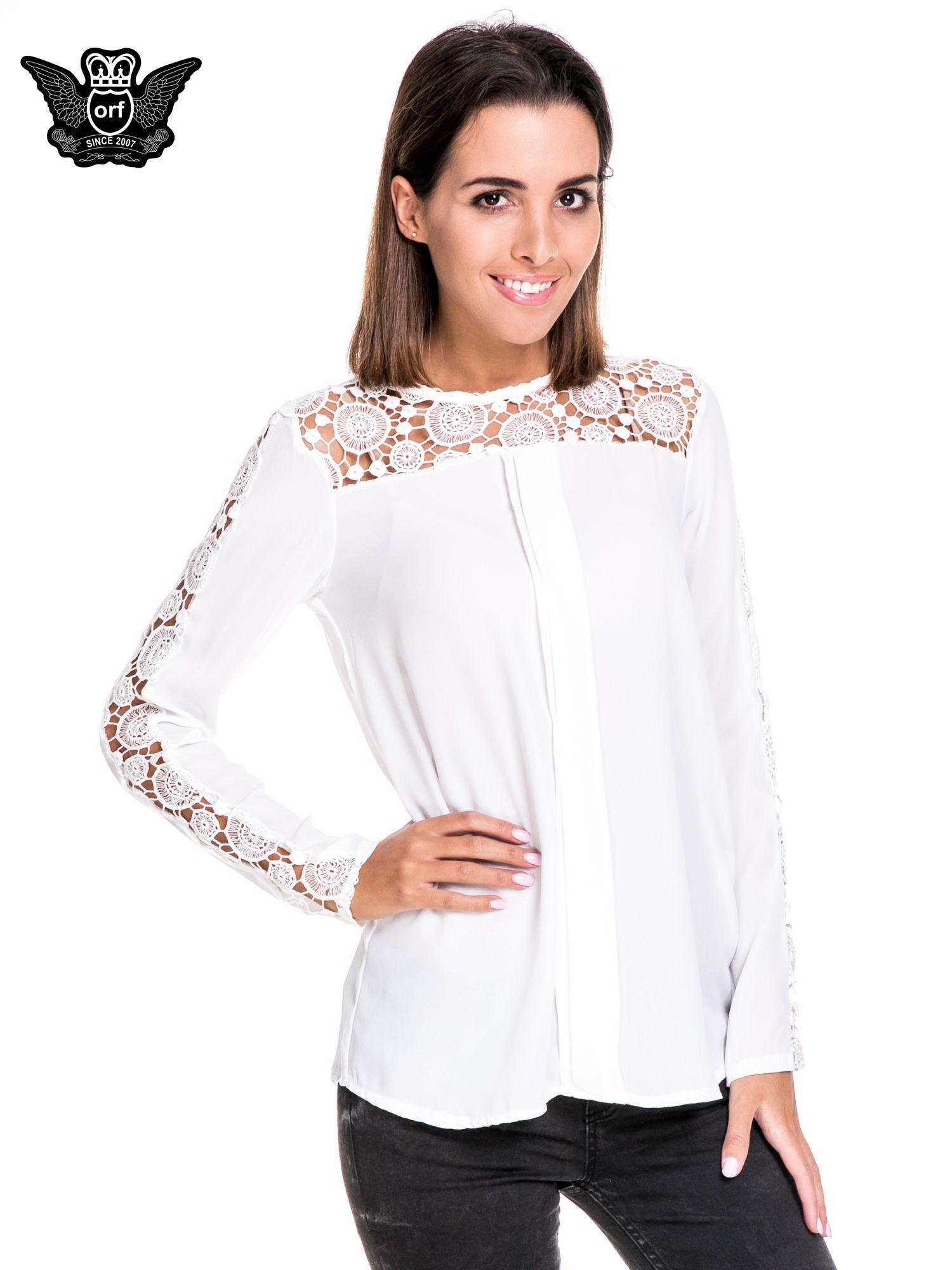 Biała koszula z gipiurą                                  zdj.                                  1