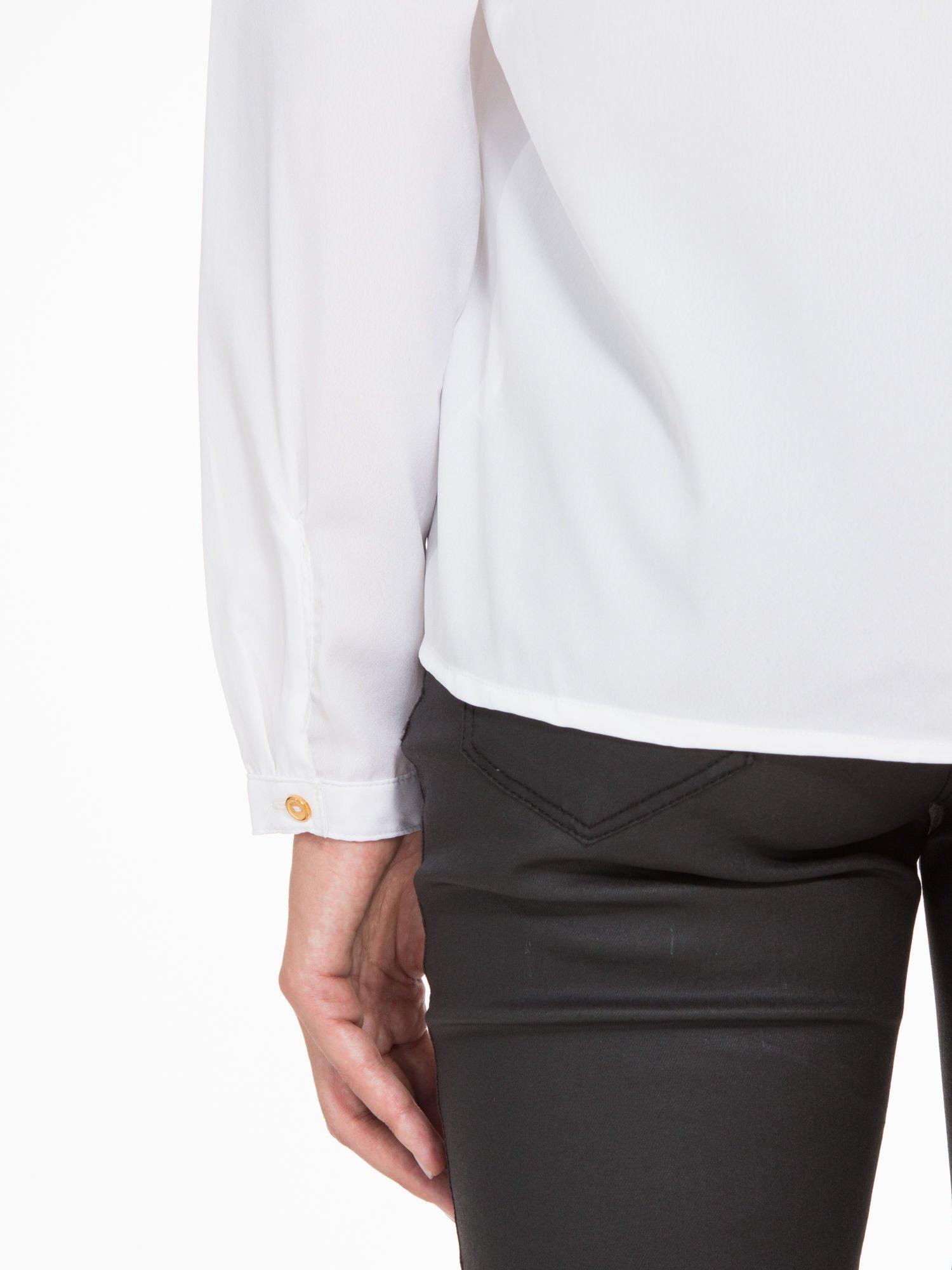 Biała koszula z kontrastową listwą                                  zdj.                                  10