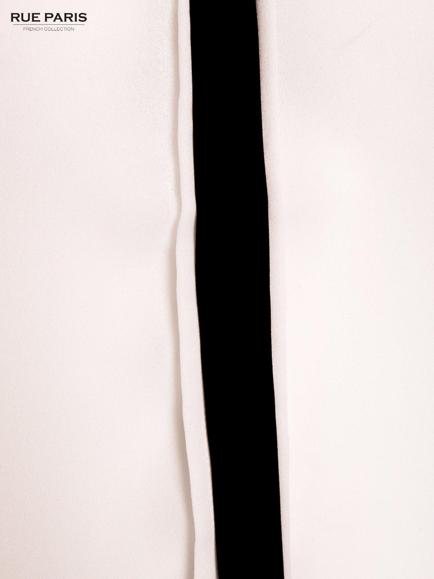 Biała koszula z kontrastowym pasem i kołnierzykiem                                  zdj.                                  4