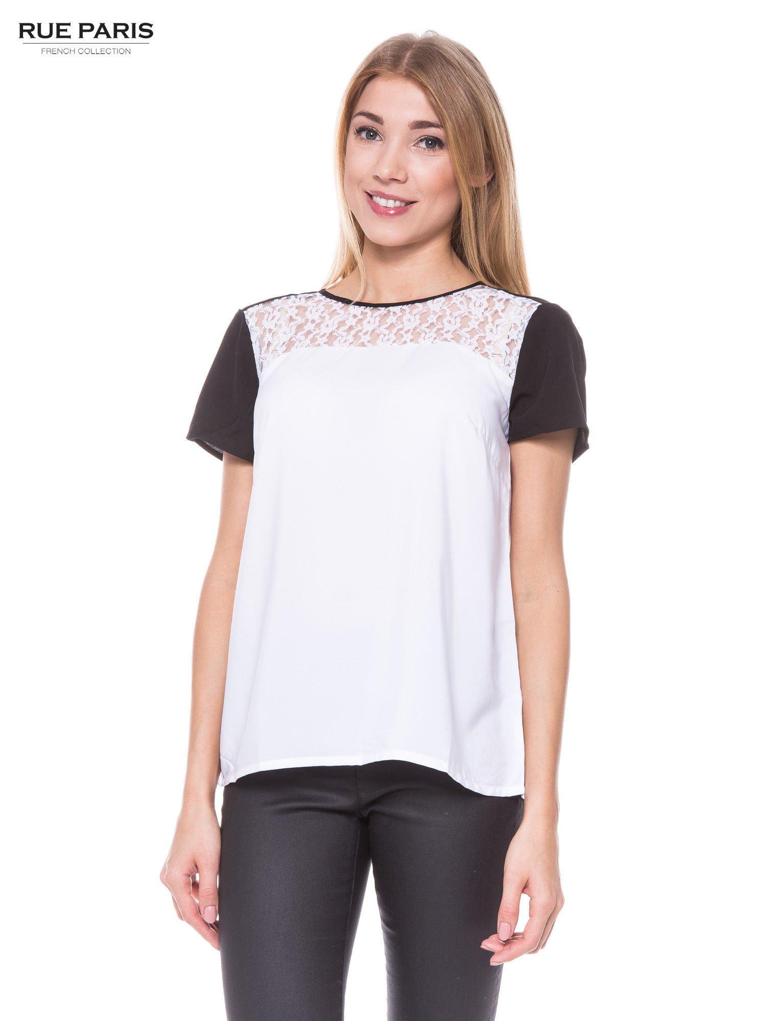 Biała koszula z koronkowym karczkiem i kontrastowymi rękawami                                  zdj.                                  1