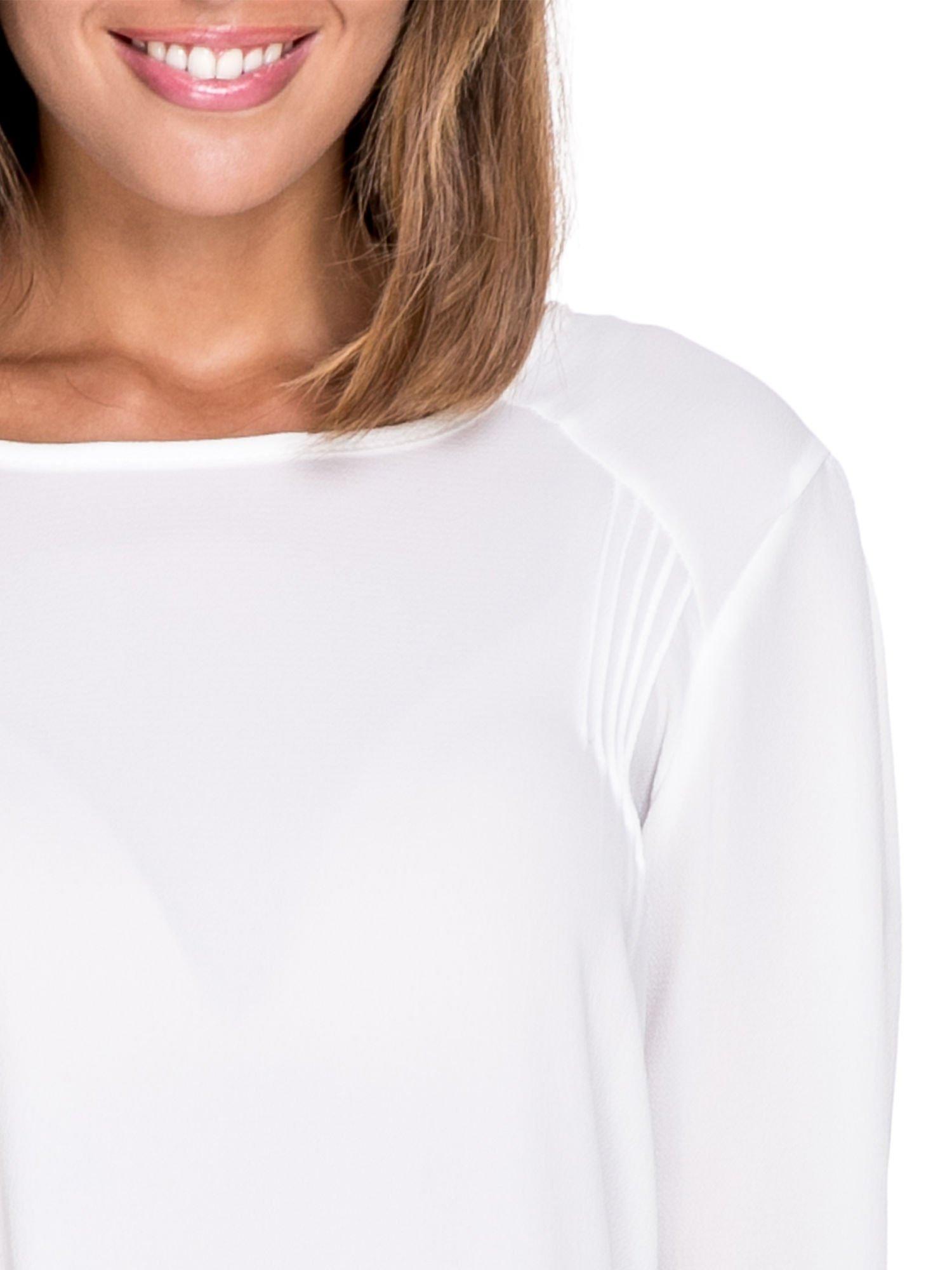 Biała koszula z wycięciem na plecach                                  zdj.                                  5