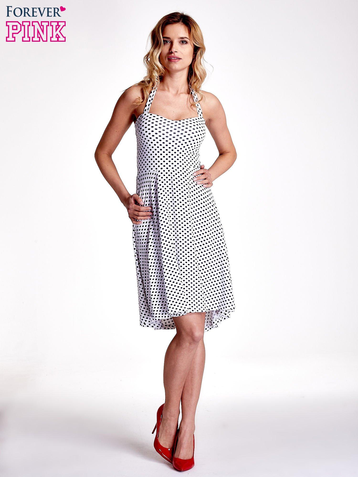 Biała sukienka w groszki z wiązaniem na szyi                                  zdj.                                  7