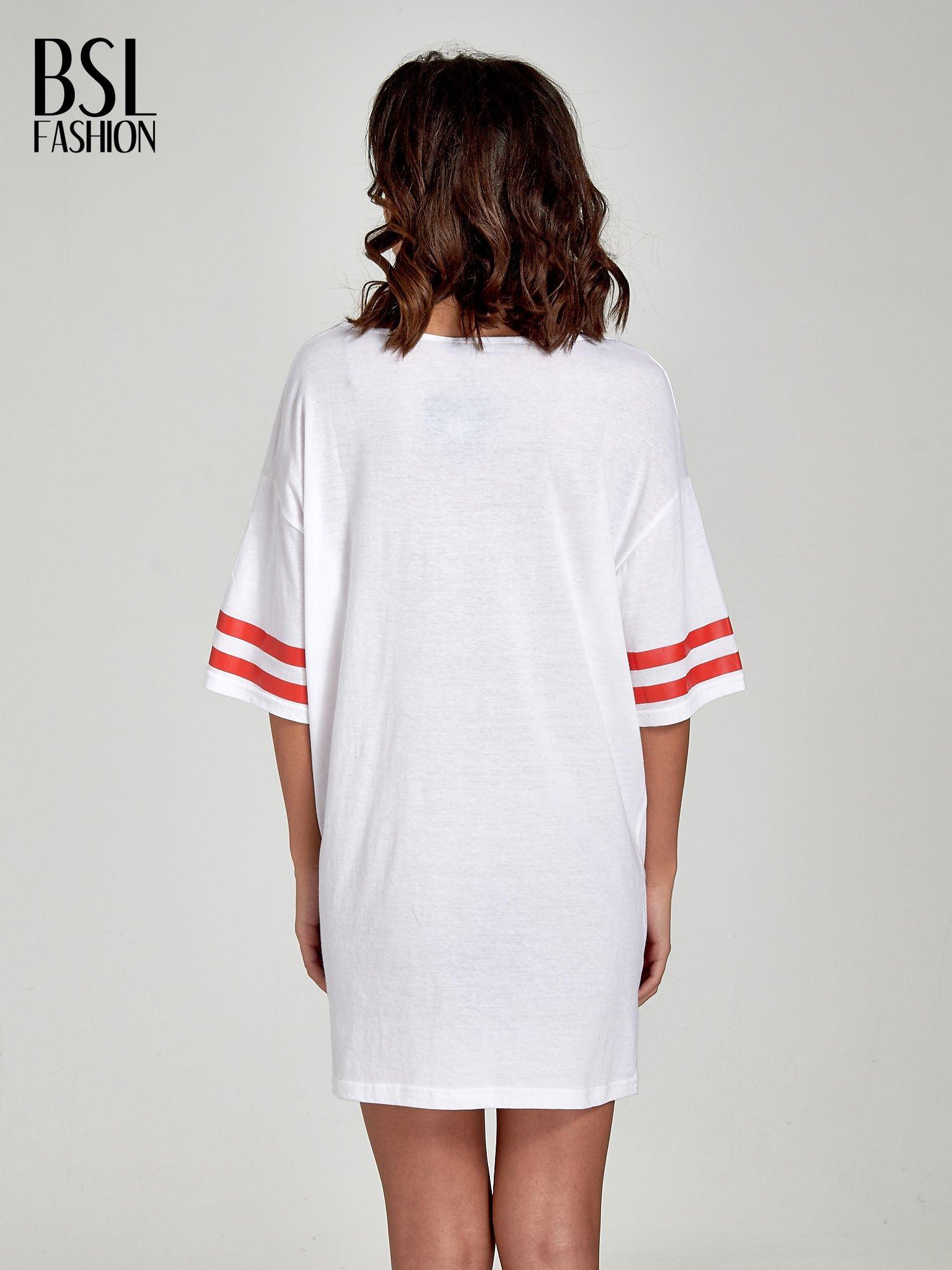 Biała sukienka z numerem w stylu baseball dress                                  zdj.                                  4