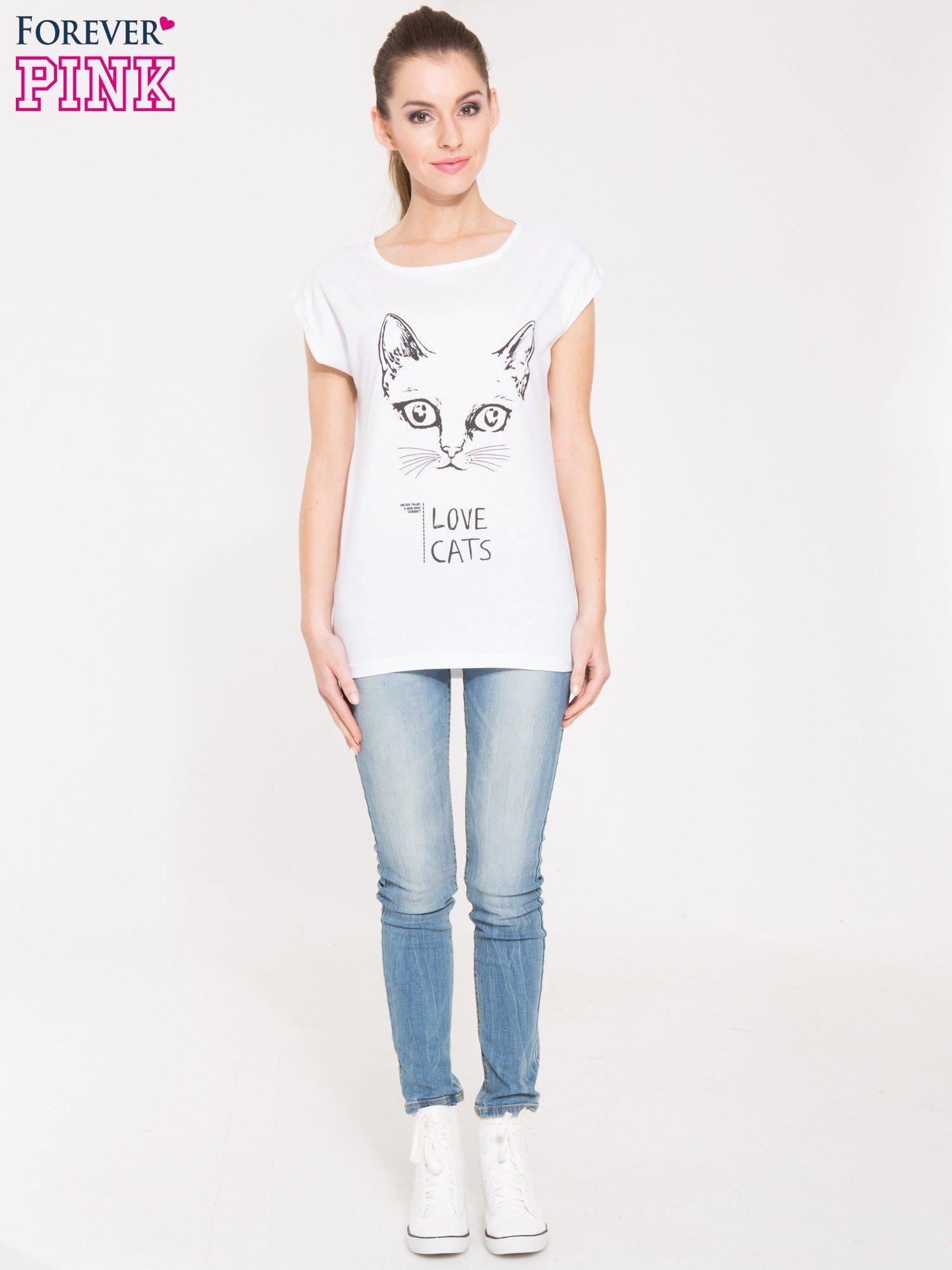 Biała t-shirt z nadrukiem kota i napisem LOVE CATS                                  zdj.                                  4