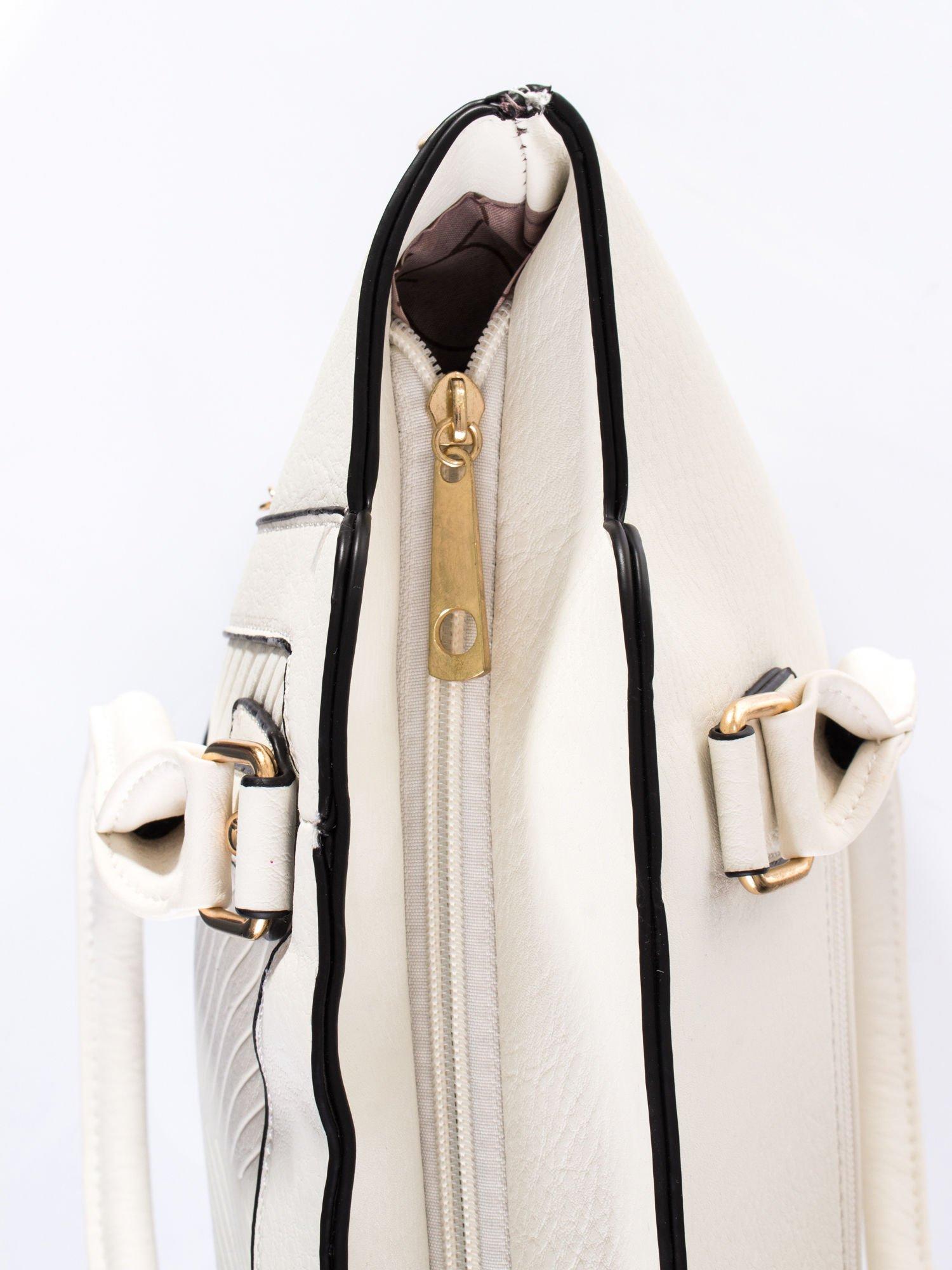 Biała torba ze złotymi wykończeniami                                  zdj.                                  5