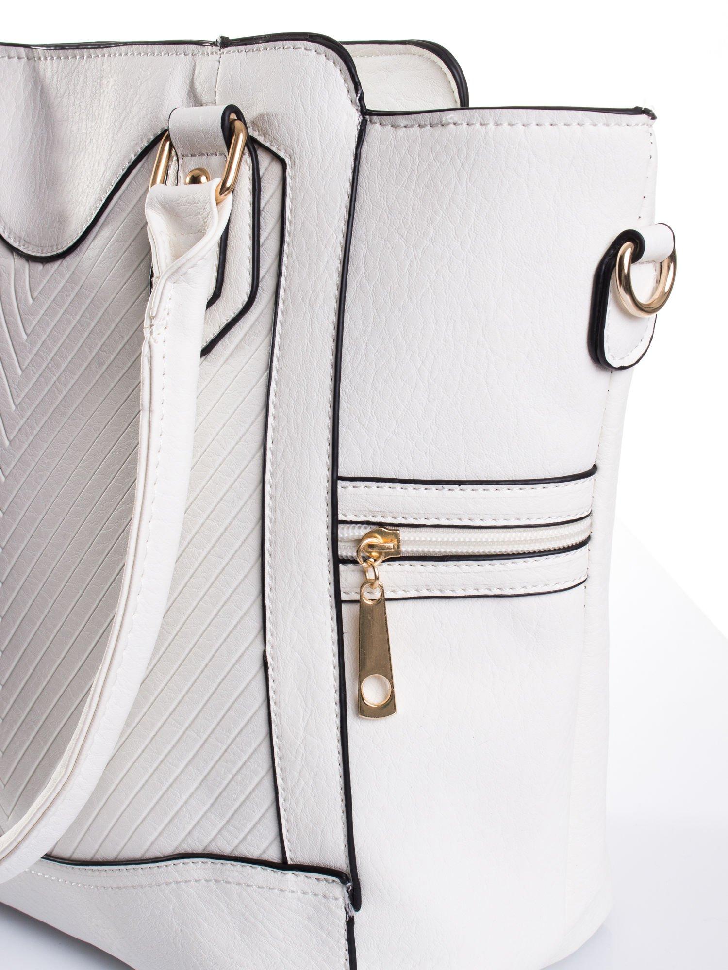 Biała torba ze złotymi wykończeniami                                  zdj.                                  6