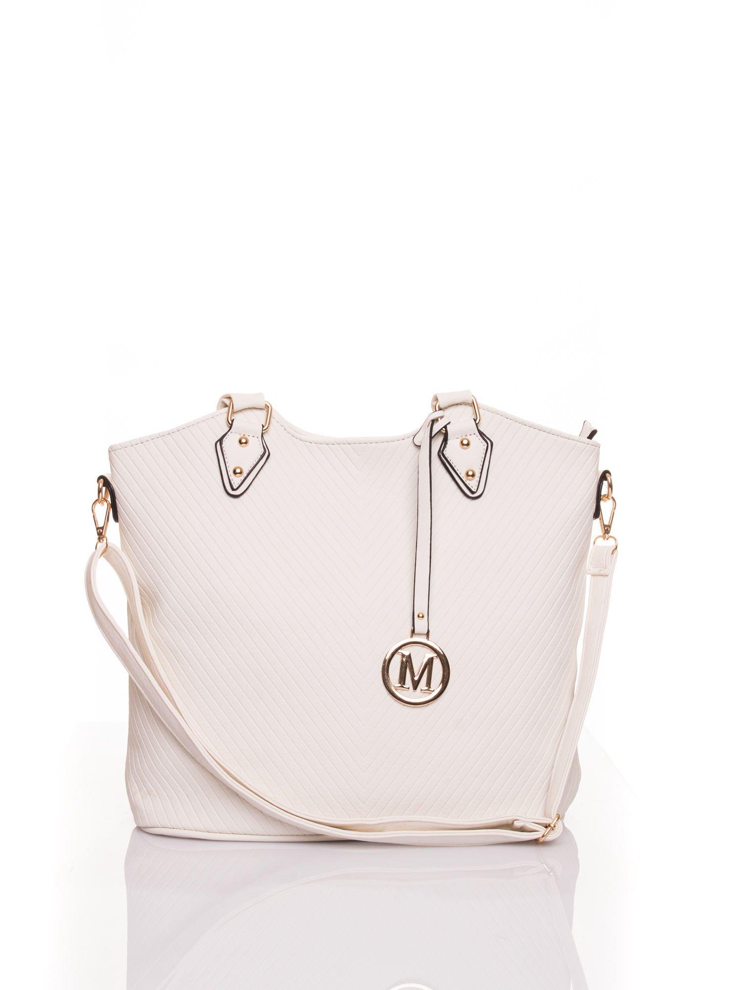 Biała torebka fakturowana w pasy                                   zdj.                                  1