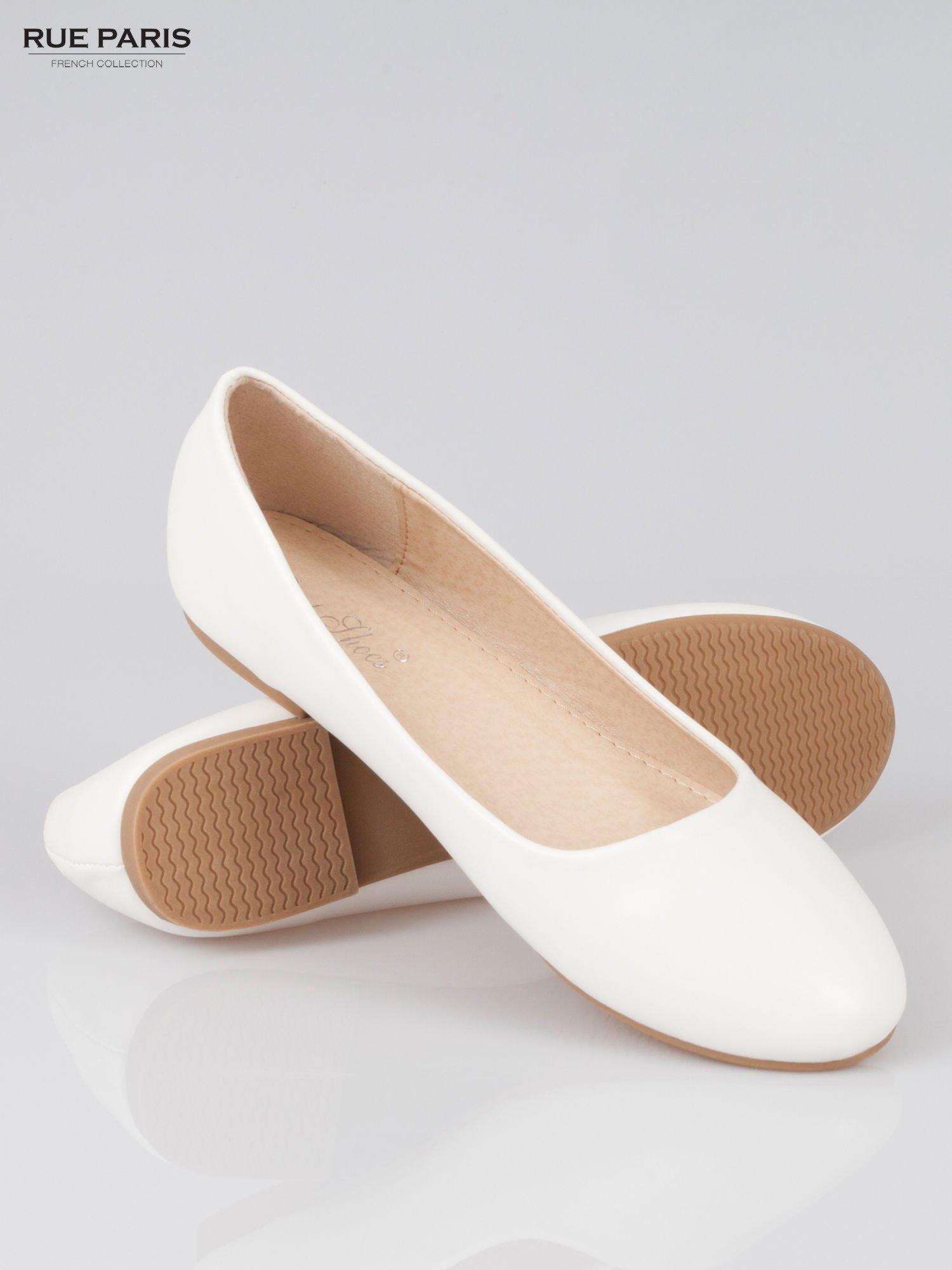 Białe baleriny z okrągłym noskiem                                  zdj.                                  4