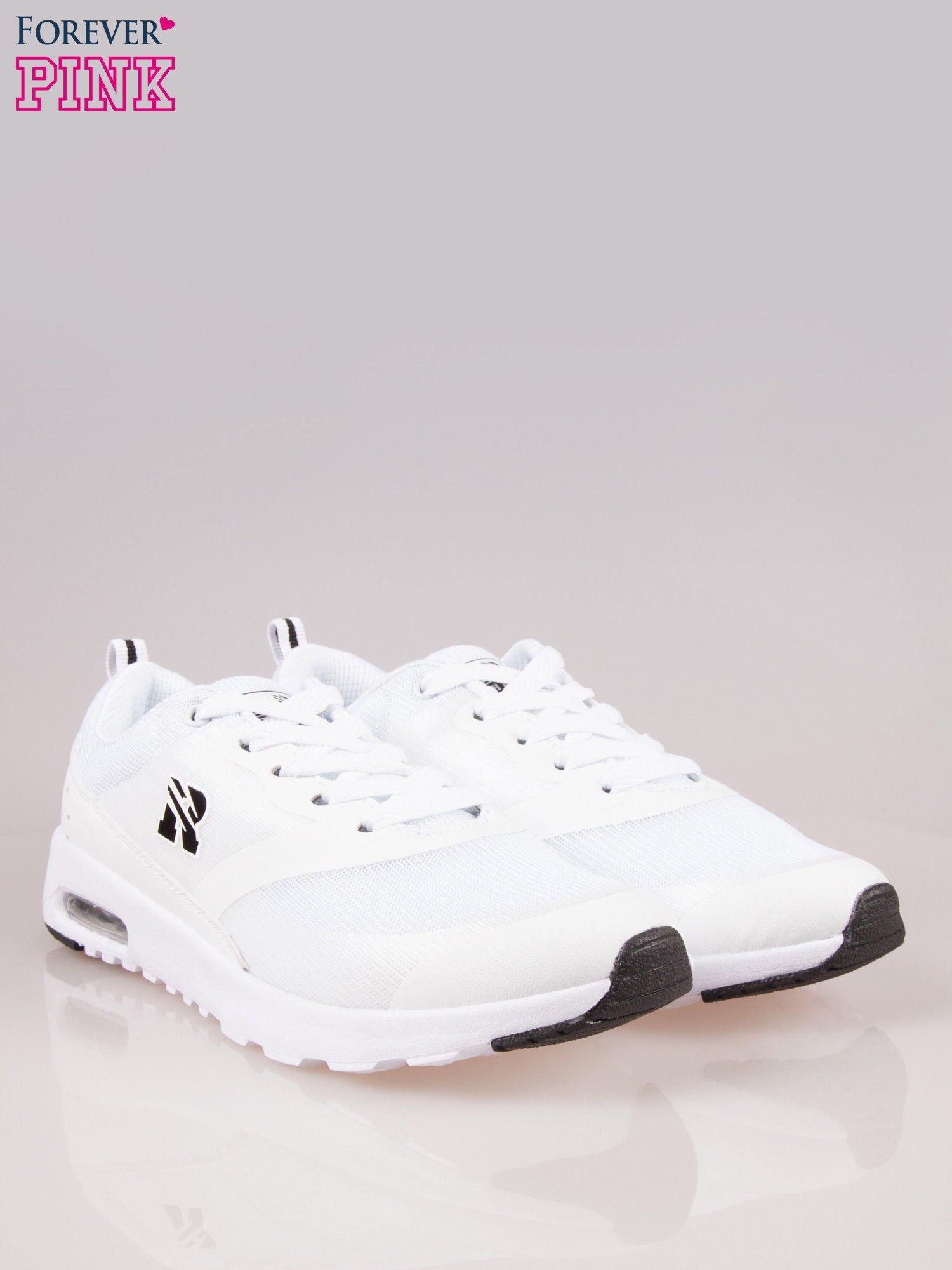 Białe buty sportowe damskie z siateczką i poduszką powietrzną w podeszwie                                  zdj.                                  2