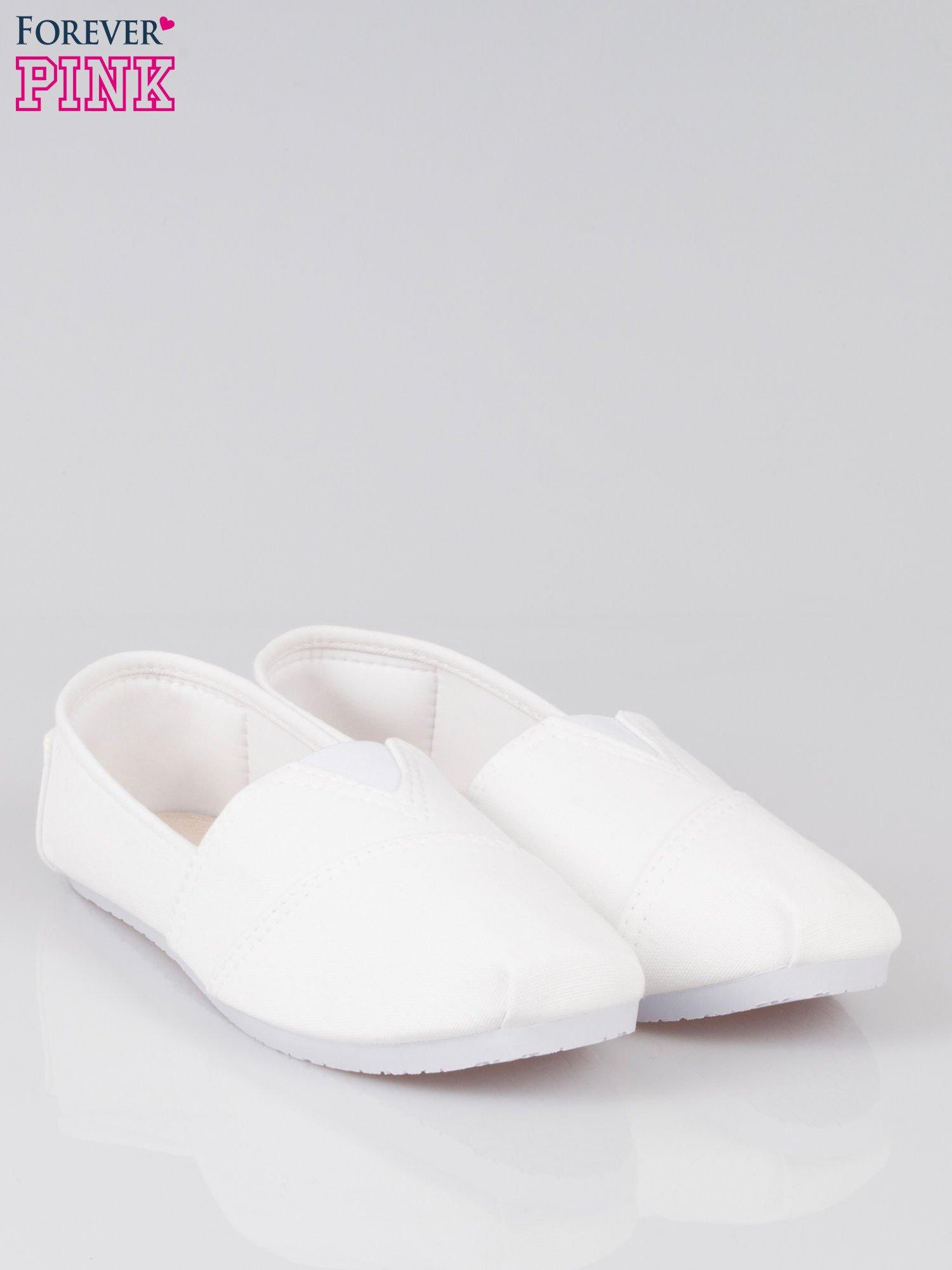 Białe lekkie buty slip on                                  zdj.                                  2