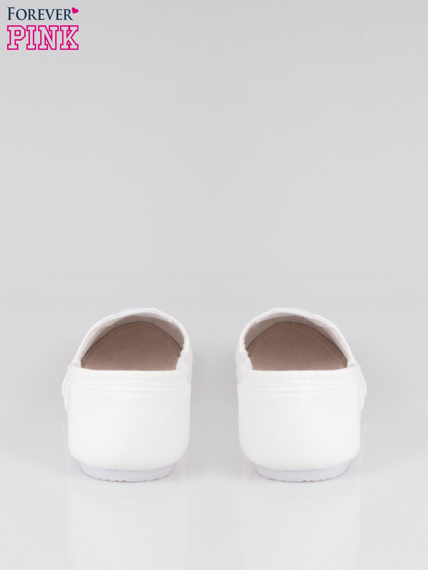 Białe lekkie buty slip on                                  zdj.                                  3