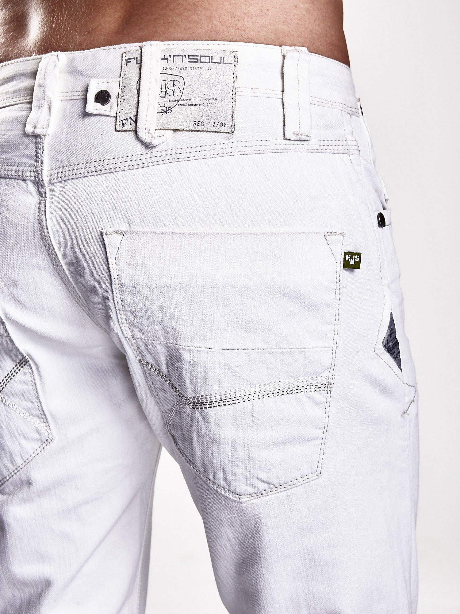 Białe spodnie męskie z ozdobnymi napami Funk n Soul                                  zdj.                                  5