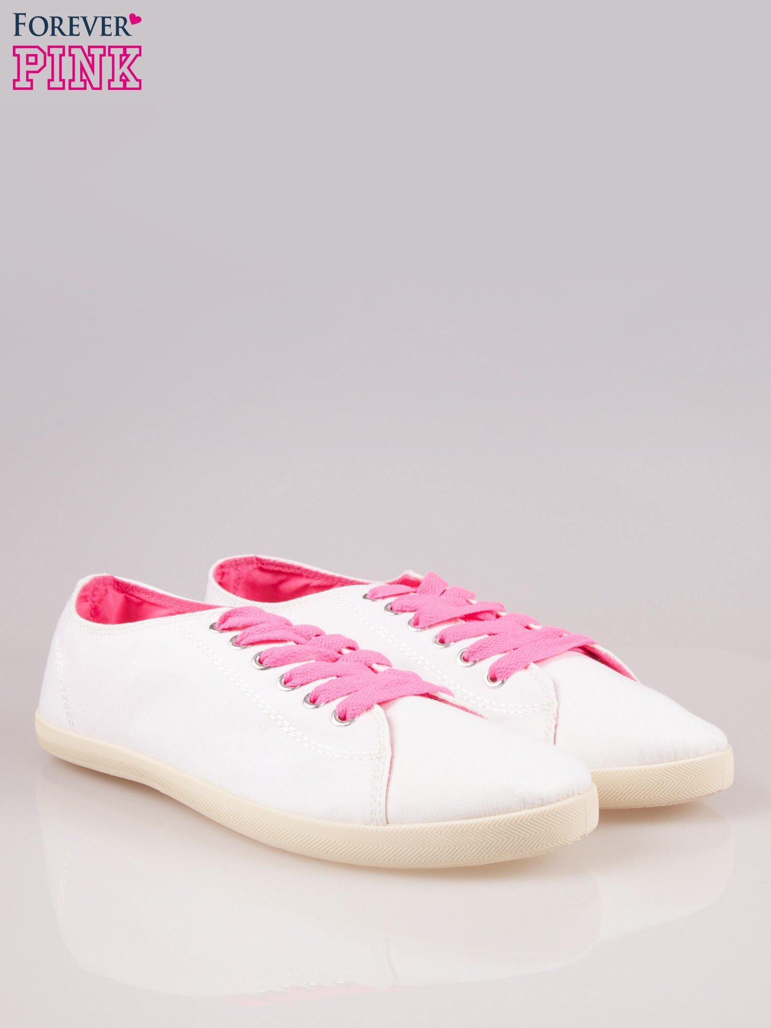 Białe tenisówki damskie z różowymi sznurówkami                                  zdj.                                  2