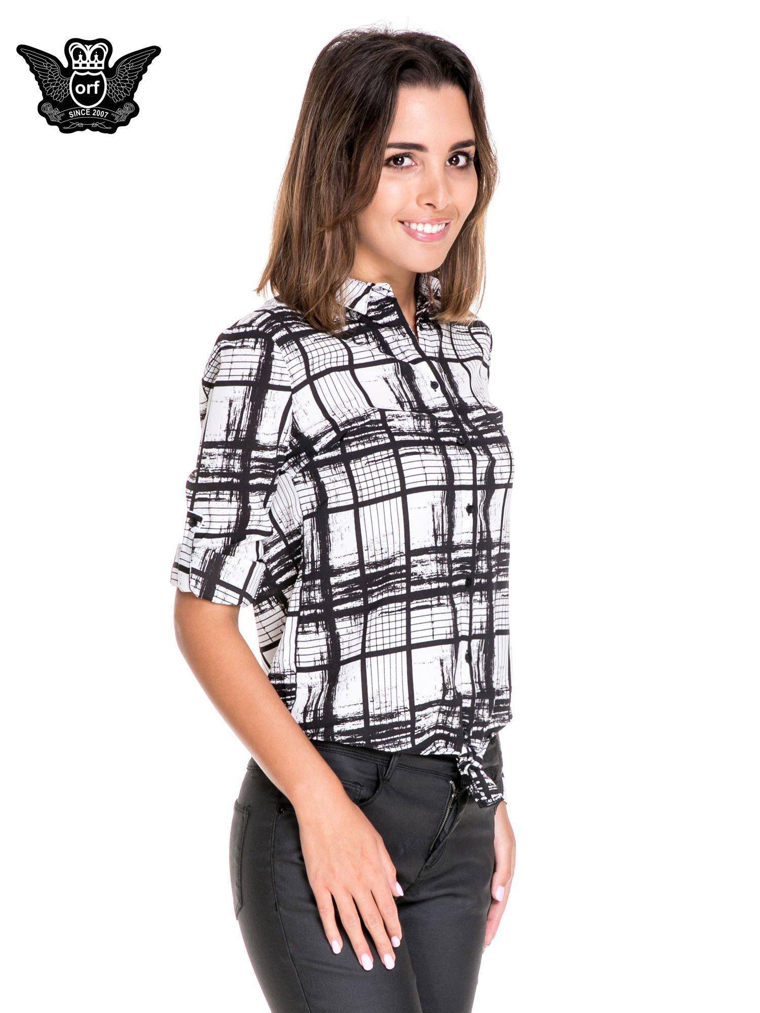 Biało-czarna koszula w kratę wiązana na dole                                  zdj.                                  5