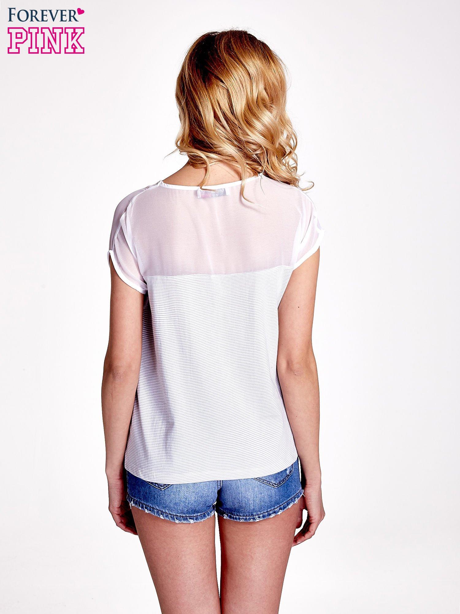 Biało-szary t-shirt z tiulowym wykończeniem                                  zdj.                                  4
