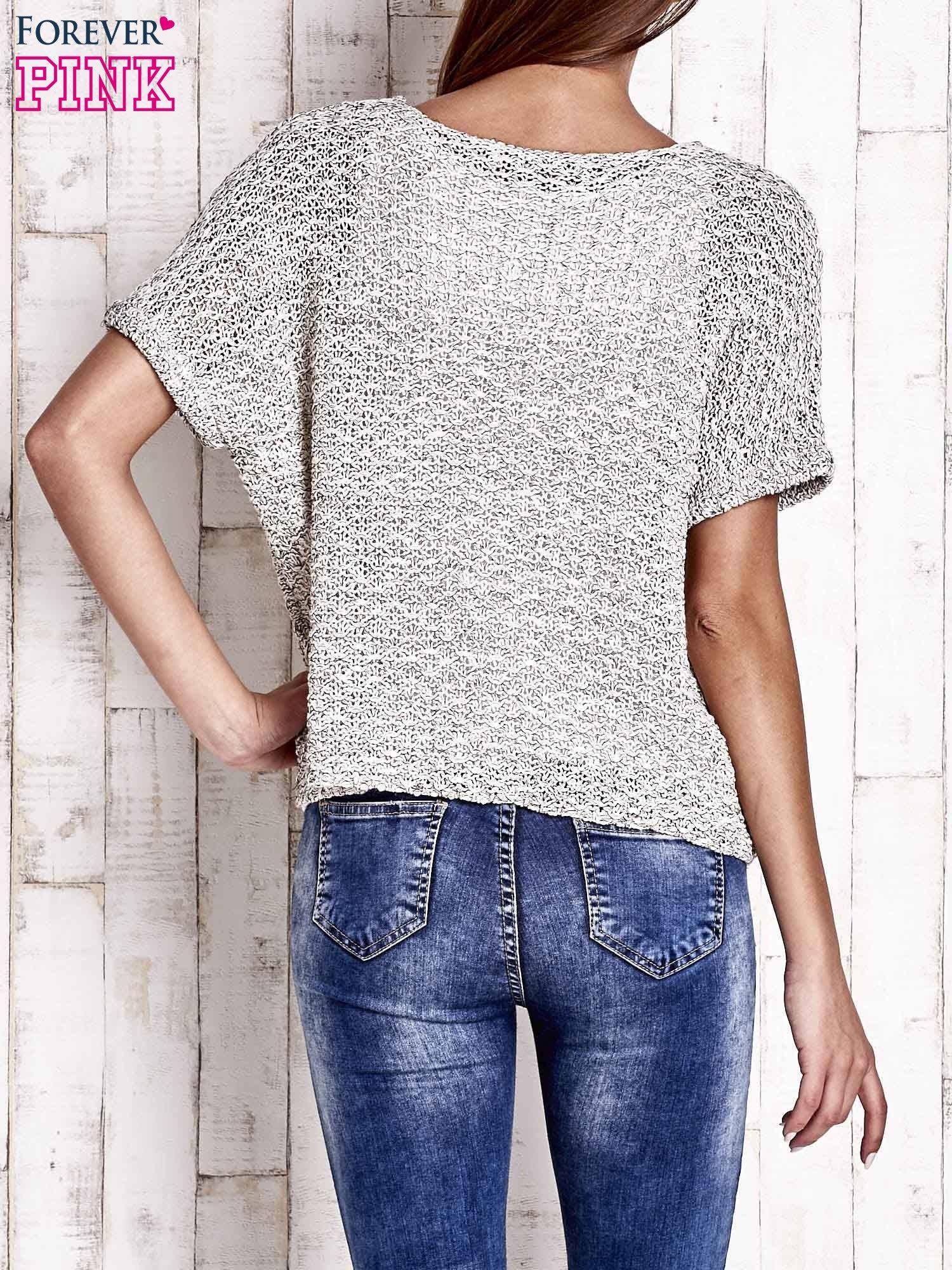 Biały ażurowy sweter z metaliczną nicią                                  zdj.                                  4