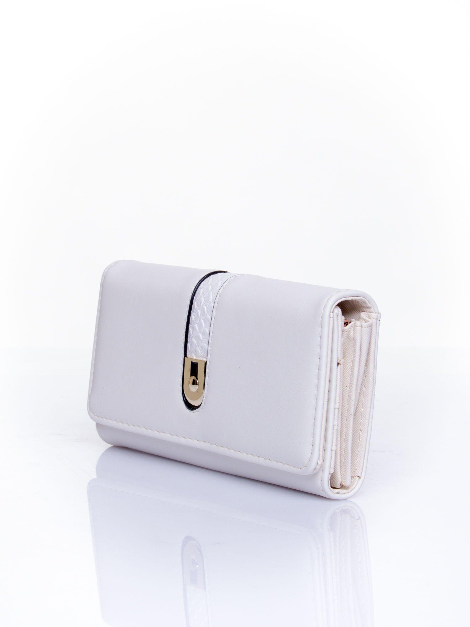 Biały portfel ze złotym zapięciem                                   zdj.                                  3
