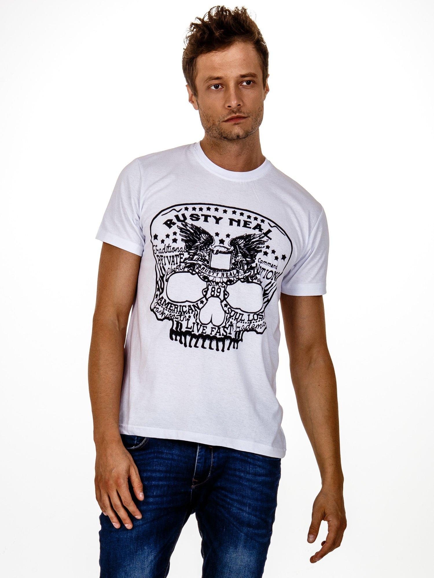 Biały t-shirt męski z nadrukiem czaszki i napisami                                  zdj.                                  1