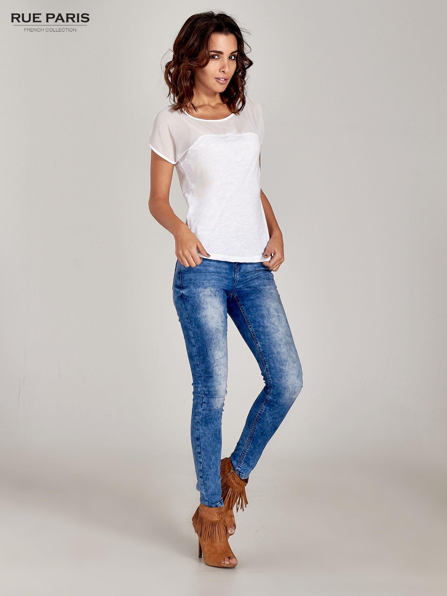 Biały t-shirt z górą mgiełką                                  zdj.                                  5