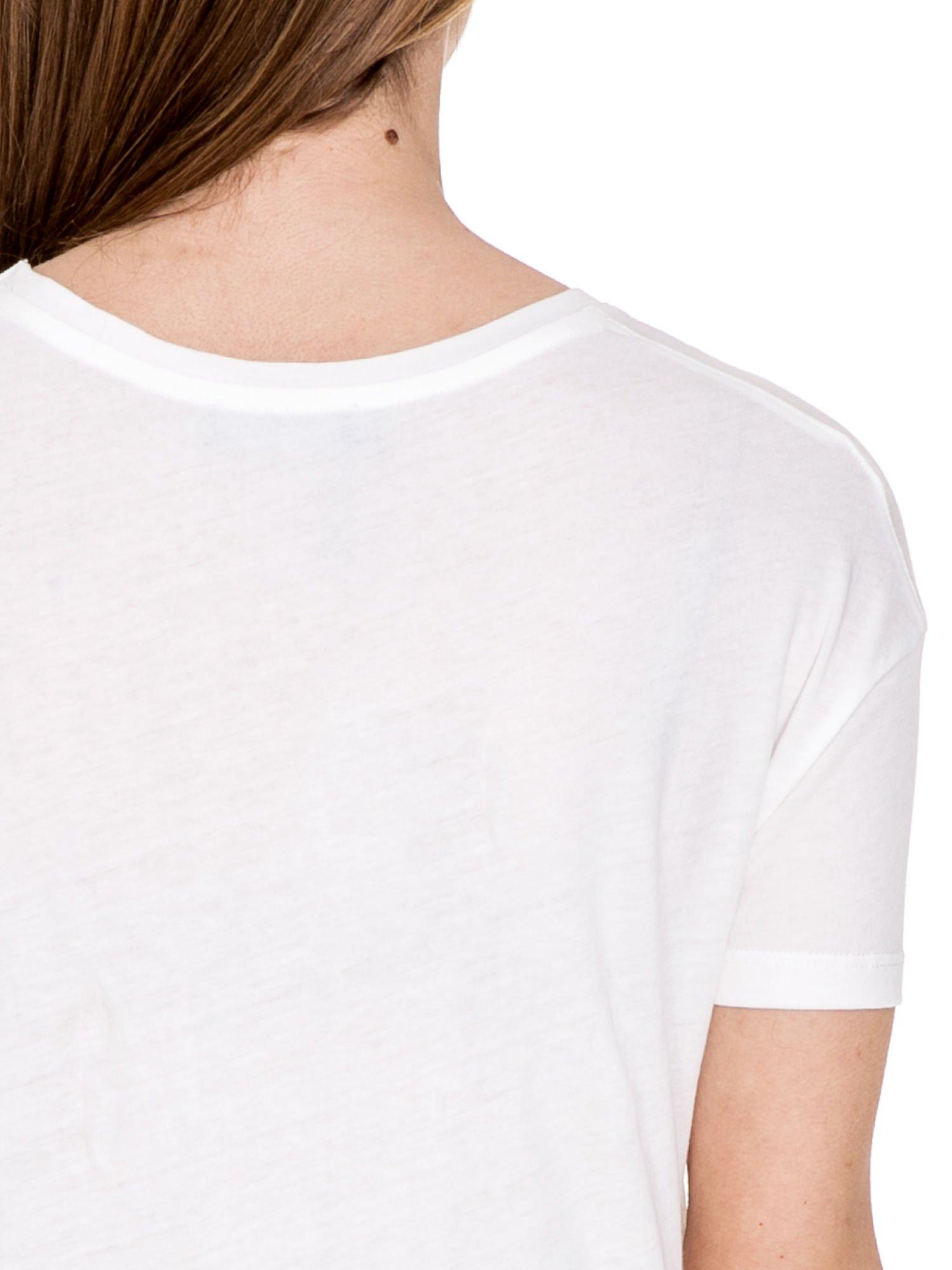 Biały t-shirt z nadrukiem AU REVOIR z cekinów                                  zdj.                                  6