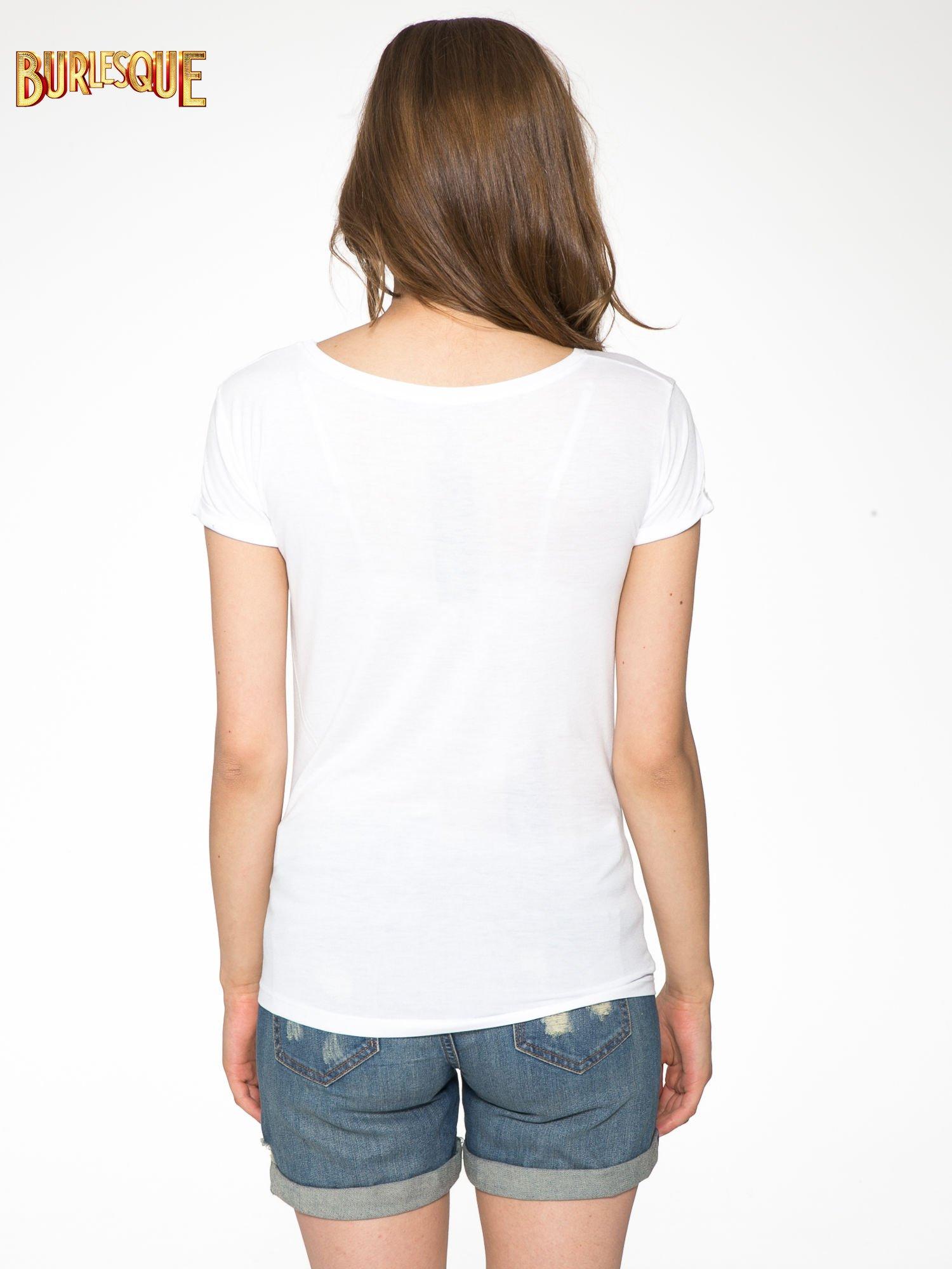 Biały t-shirt z nadrukiem kota i myszy                                  zdj.                                  4
