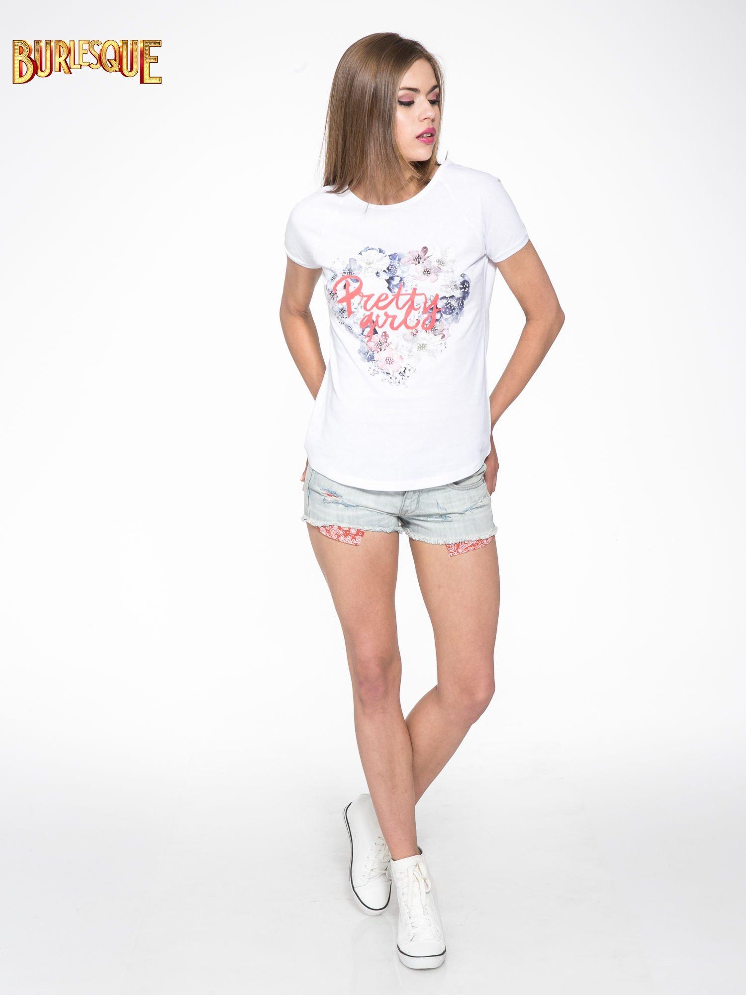 Biały t-shirt z nadrukiem kwiatowym PRETTY GIRL                                  zdj.                                  2