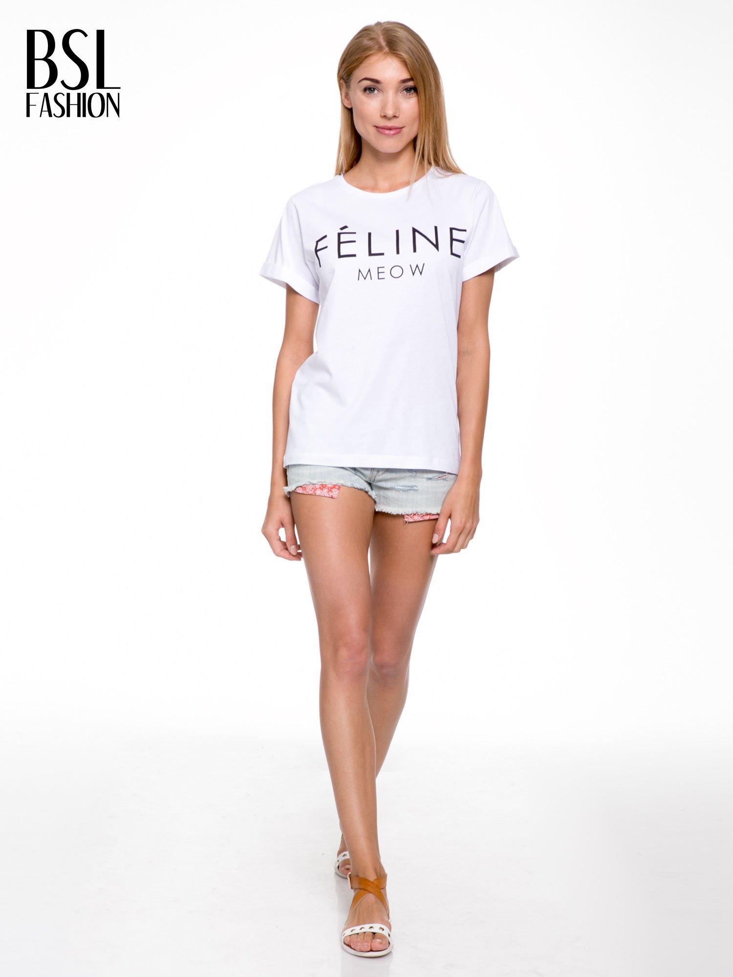 Biały t-shirt z napisem FÉLINE MEOW                                  zdj.                                  5
