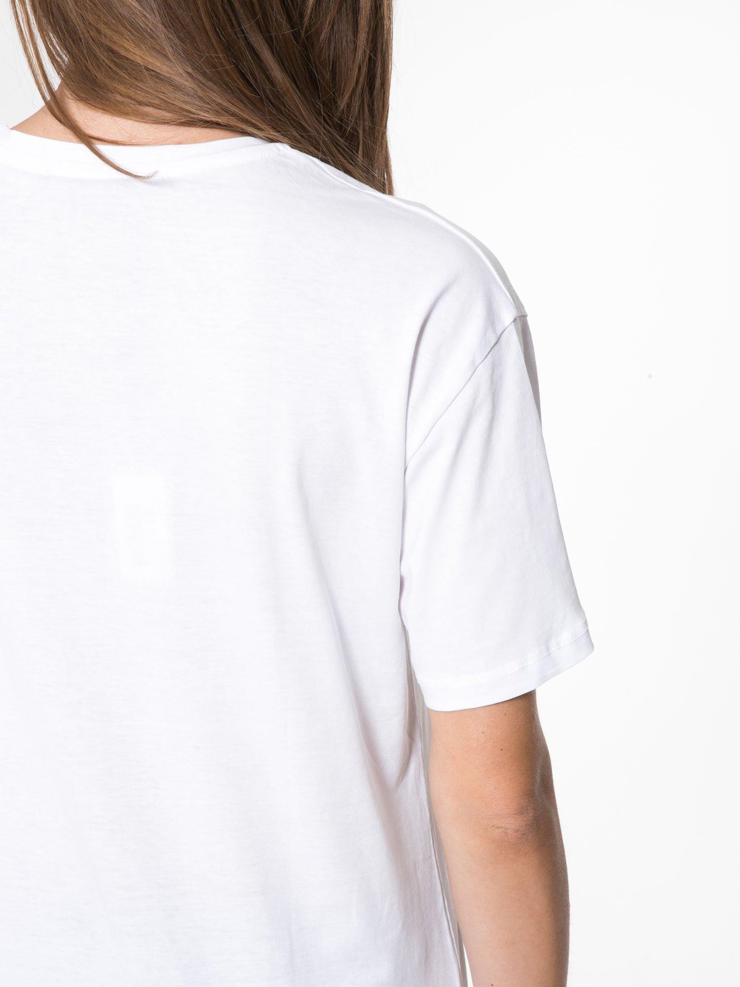 Biały t-shirt z napisem I'DONT KNOW WHAT TO WEAR TODAY                                  zdj.                                  8