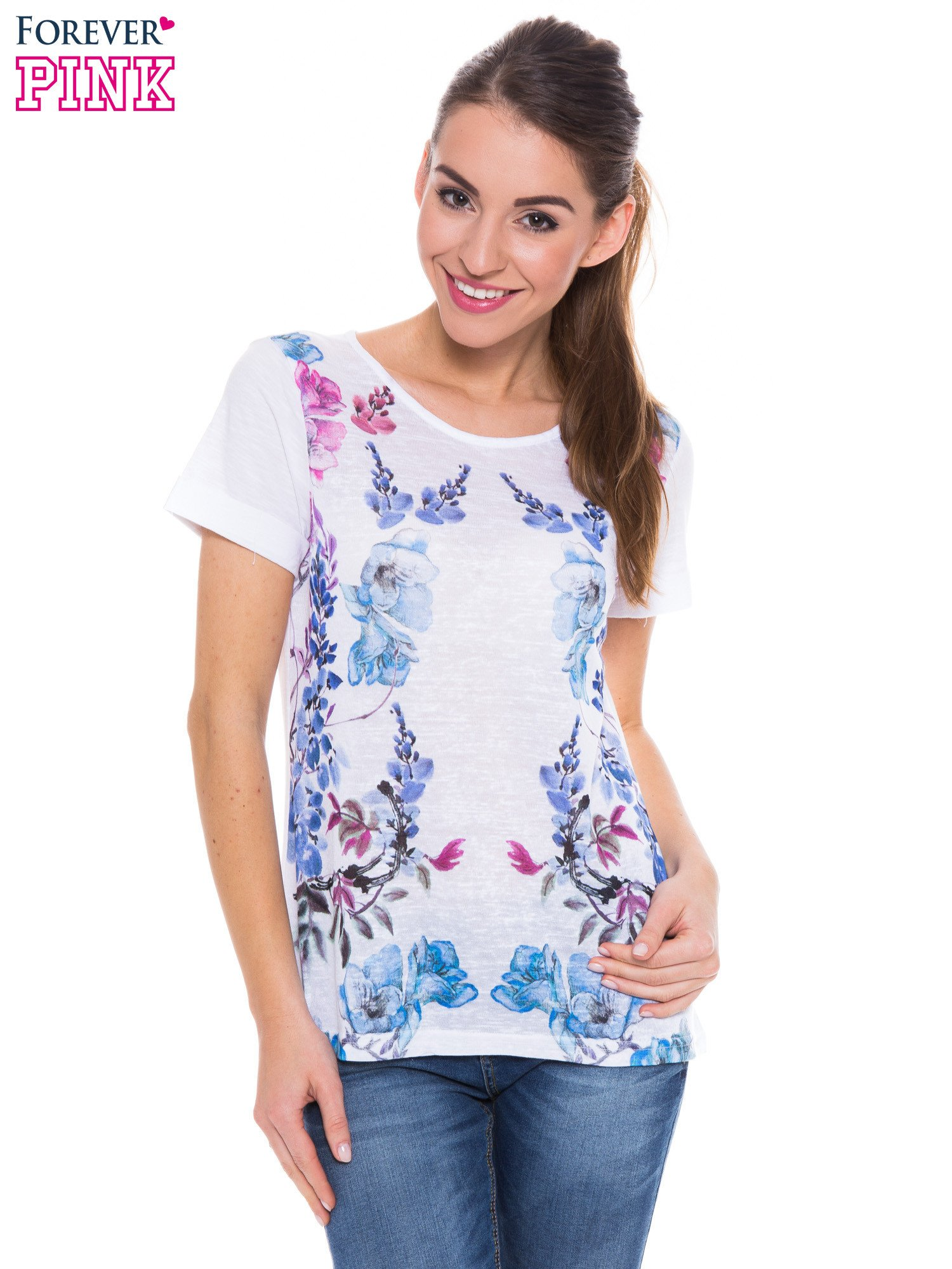 Biały t-shirt z niebieskim nadrukiem roślinnym                                  zdj.                                  1