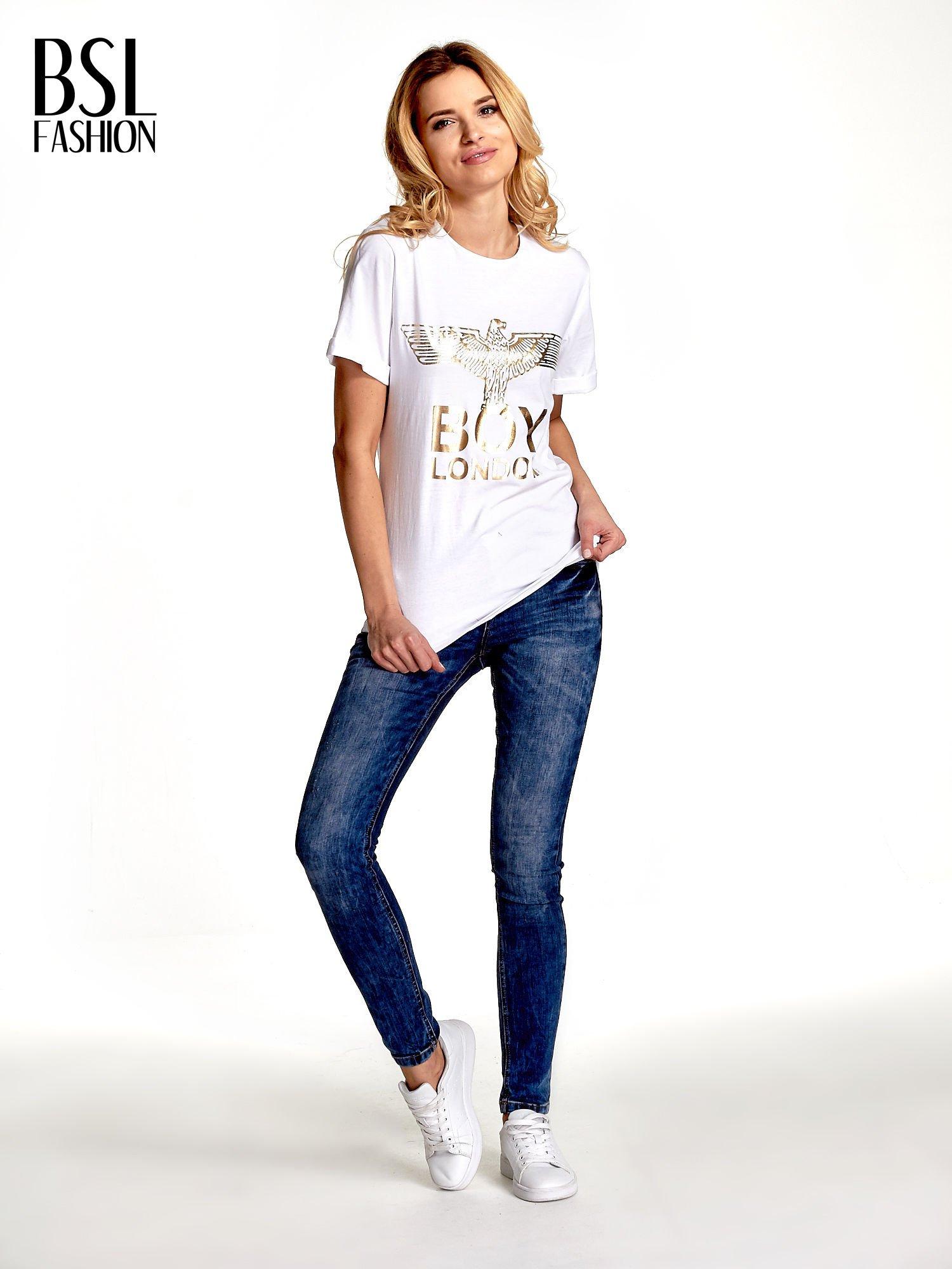 Biały t-shirt ze złotym nadrukiem orła i napisem BOY LONDON                                  zdj.                                  6