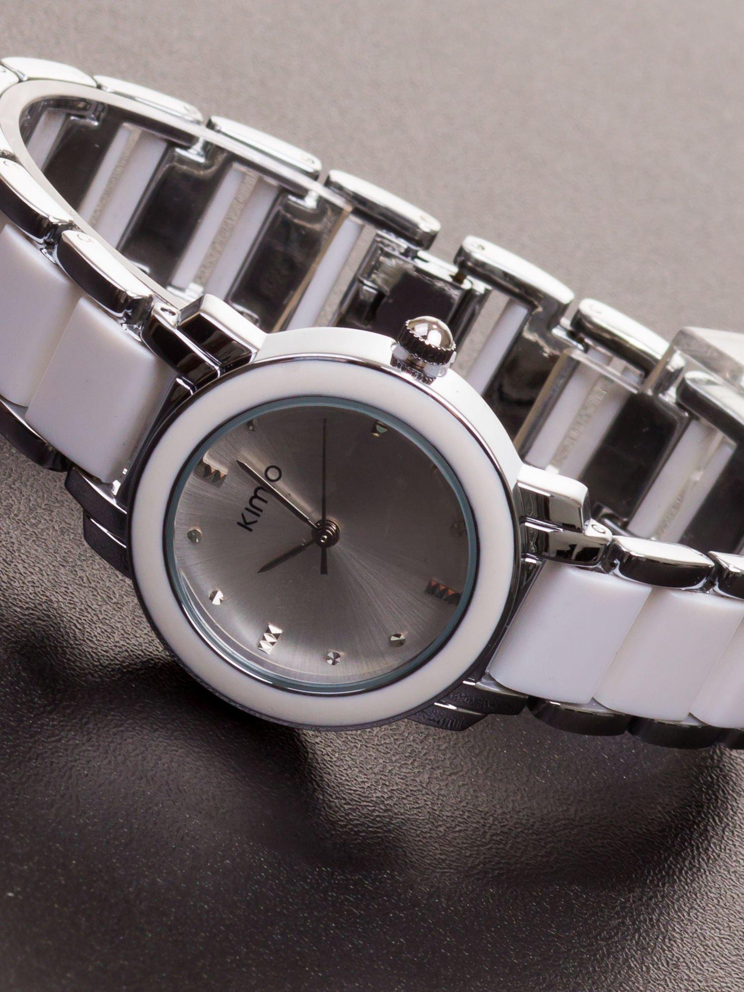 65d7b6298bde82 Biały zegarek damski z cyrkoniami na bransolecie - Akcesoria zegarek ...